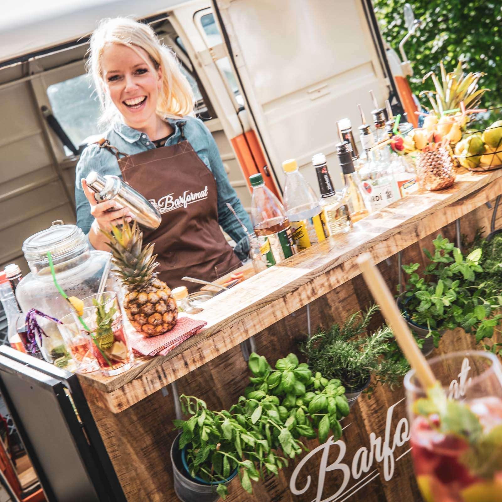 Mobile | Cocktailbar | Cocktailservice | Hochzeit | Sektempfang | Barkeeper | Buchen | Mieten | Geburtstag | Ape | VW | Bar | Getränke | Catering | Foodtruck | Weinbar | Ginbar | Sektbar | Kaffeebar | Smoothie