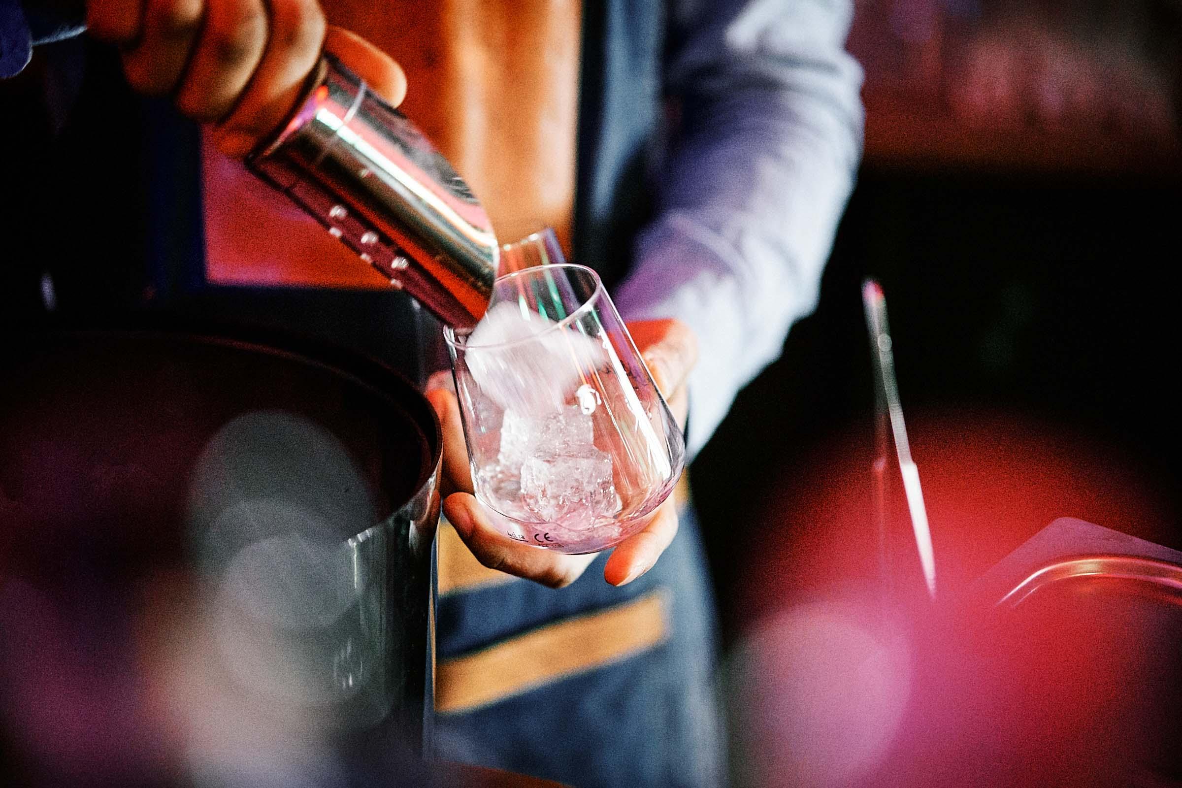 Mobile | Cocktailbar | Hochzeit | Sektempfang | Barkeeper | Buchen | Mieten | Geburtstag | Ape | VW | Bar | Getränke | Catering | Foodtruck | Ginbar | Weinbar | Sektbar | Kaffeebar | Messe | Firmenfeier
