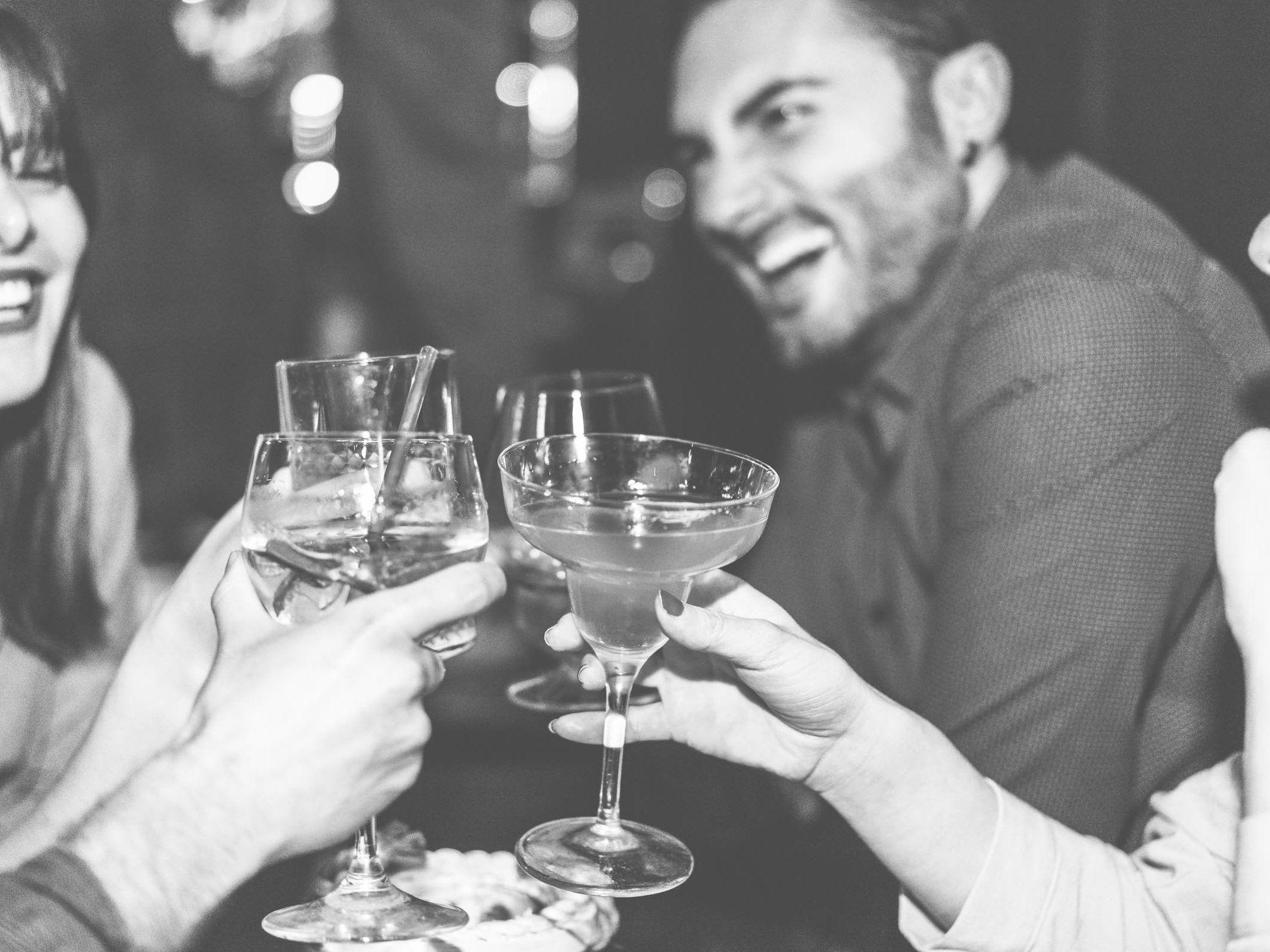 Mobile | Cocktailbar | Hochzeit | Sektempfang | Barkeeper | Buchen | Mieten | Geburtstag | Ape | VW | Bar | Getränke | Catering | Foodtruck | Ginbar | Weinbar | Sektbar | Kaffeebar | Messe