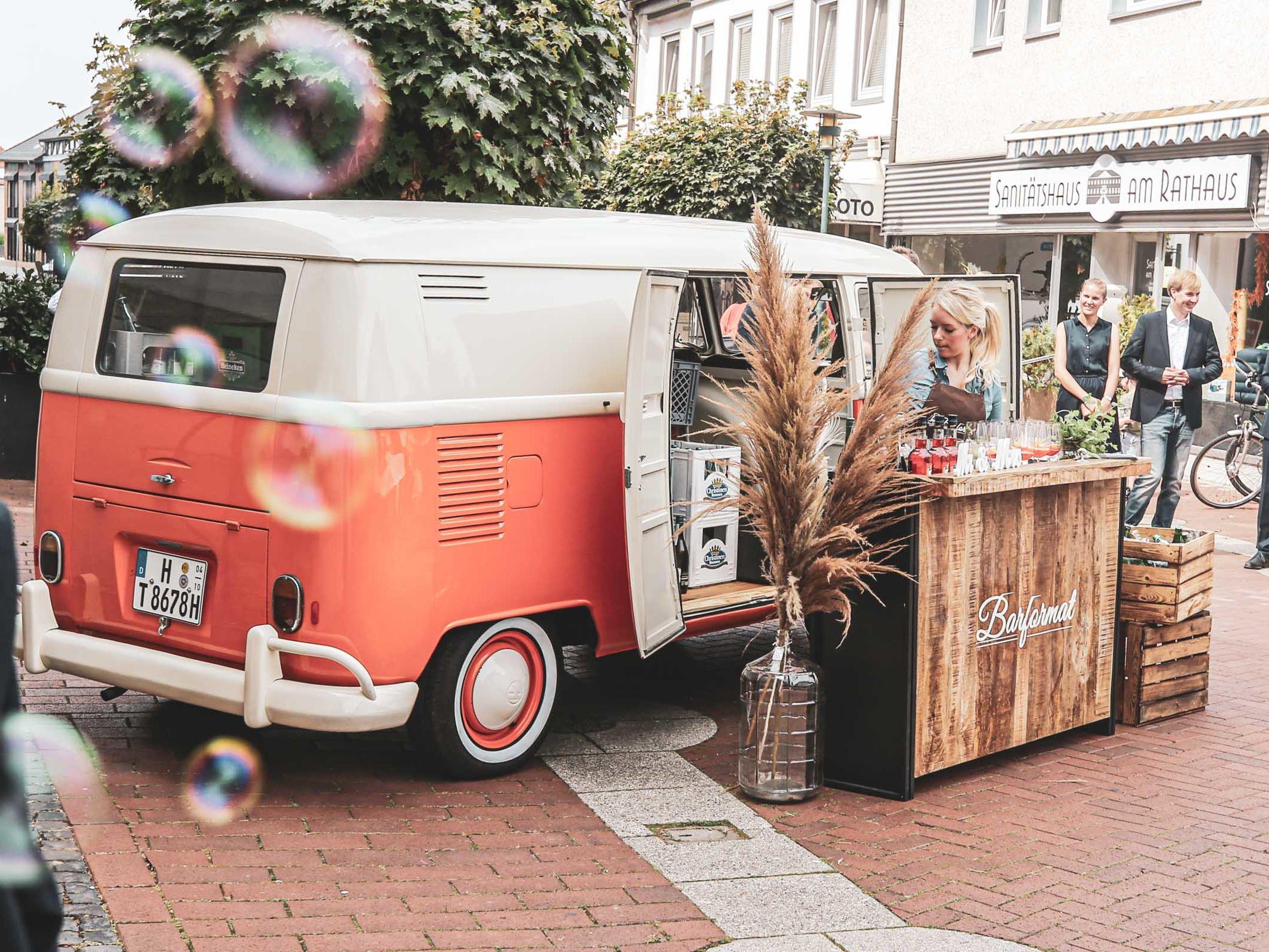 Mobile | Cocktailbar | Hochzeit | Sektempfang | Barkeeper | Buchen | Mieten | Geburtstag | Ape | VW | Bar | Getränke | Catering | Foodtruck | Weinbar | Ginbar | Sektbar | Kaffeebar | Messe