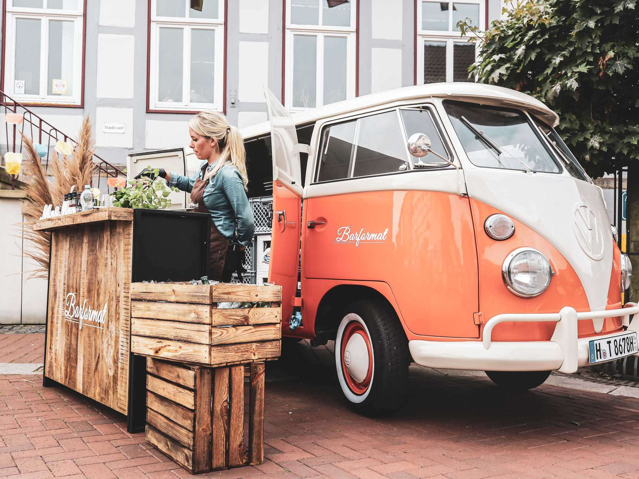 Mobile | Cocktailbar | Hochzeit | Sektempfang | Barkeeper | Buchen | Mieten | Geburtstag | Ape | VW | Bar | Getränke | Catering | Foodtruck | Weinbar | Ginbar | Sektbar | Messe | Kaffeebar
