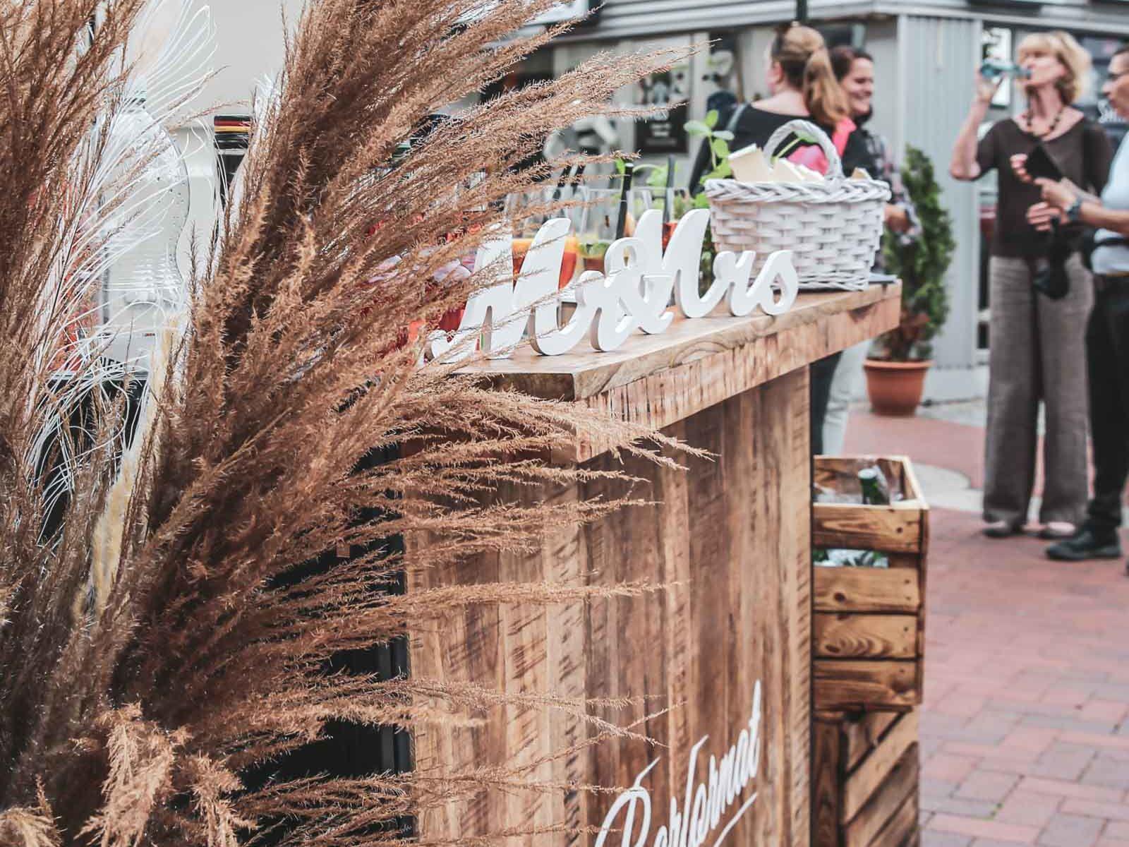 Mobile | Cocktailbar | Hochzeit | Sektempfang | Barkeeper | Buchen | Mieten | Geburtstag | VW | Bar | Ape | Getränke | Foodtruck | Catering | Weinbar | Ginbar | Sektbar