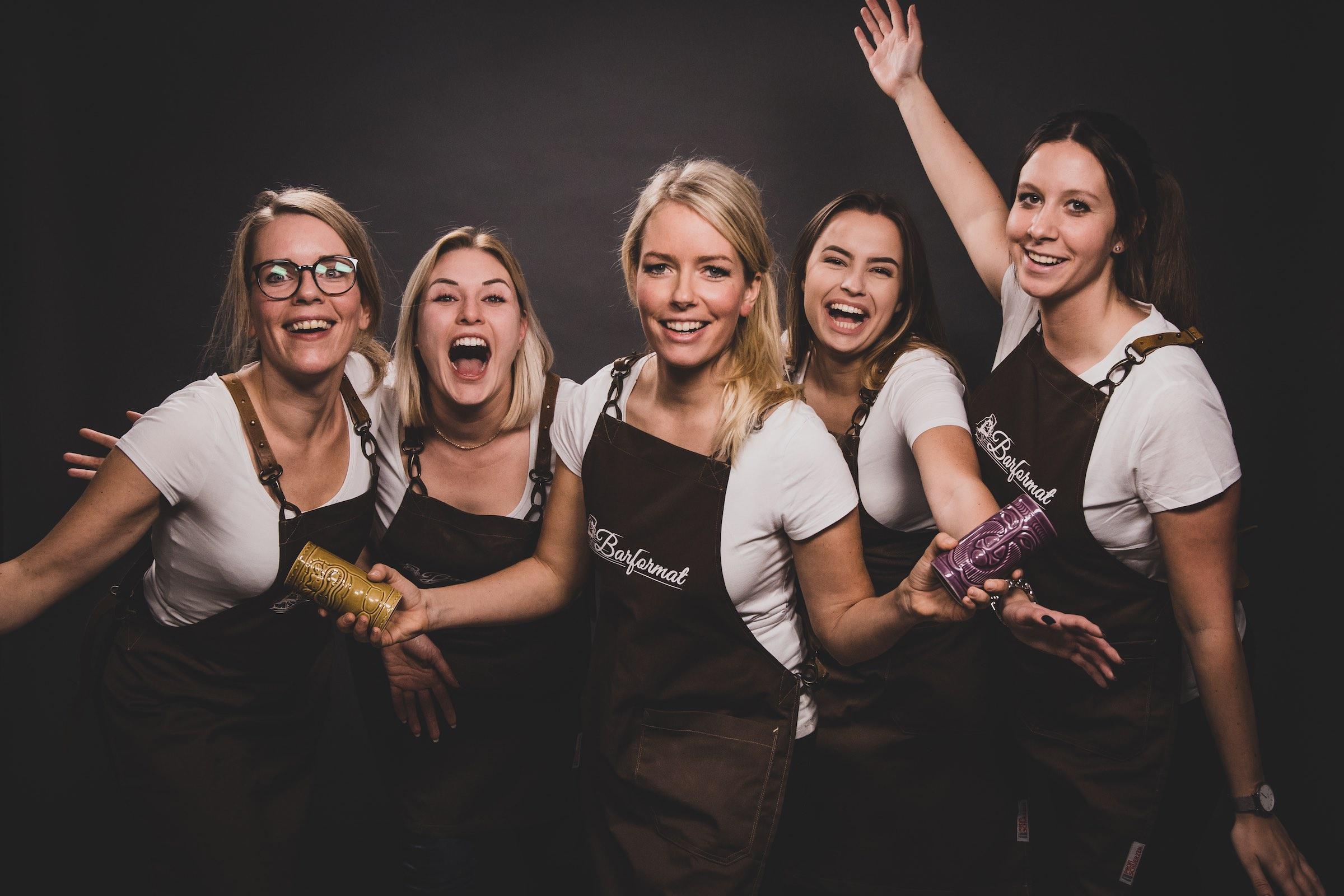 Mobile | Cocktailbar | Hochzeit | Sektempfang | Barkeeper | Kellner | Buchen | Mieten | Geburtstag | Ape | VW | Bar | Getränke | Catering | Foodtruck | Ginbar | Weinbar | Sektbar | Kaffeebar | Messe