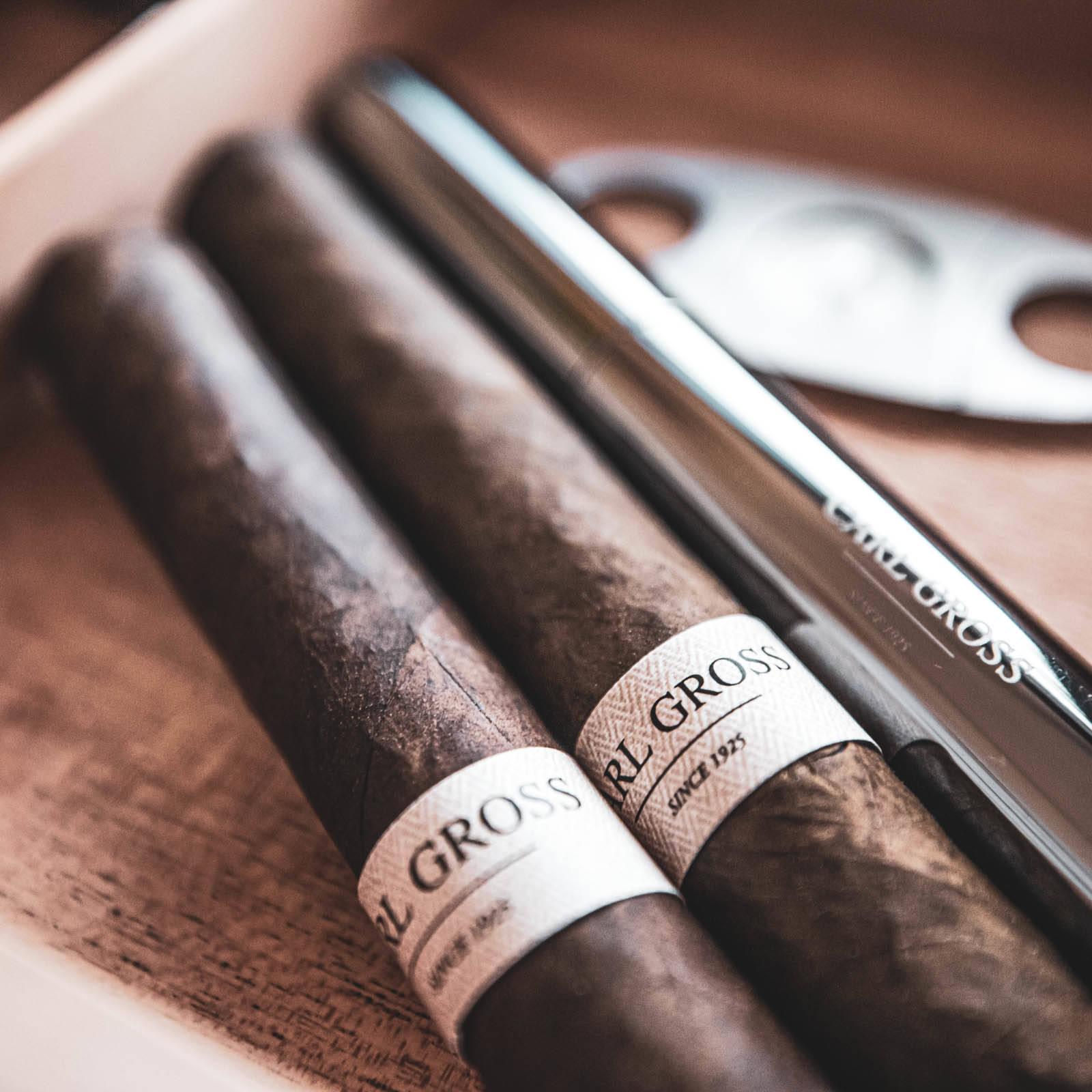 Zigarrendreher | Zigarren | Drehen | Zigarrenroller | Mieten | Anfragen | Trocadero | Eigenmarke | Own | Brand | Handgemacht | Zigarren | Bauchbinde | kaufen | Robusto | Corona | Torpedo | Banderole | Brasilien | Cuba