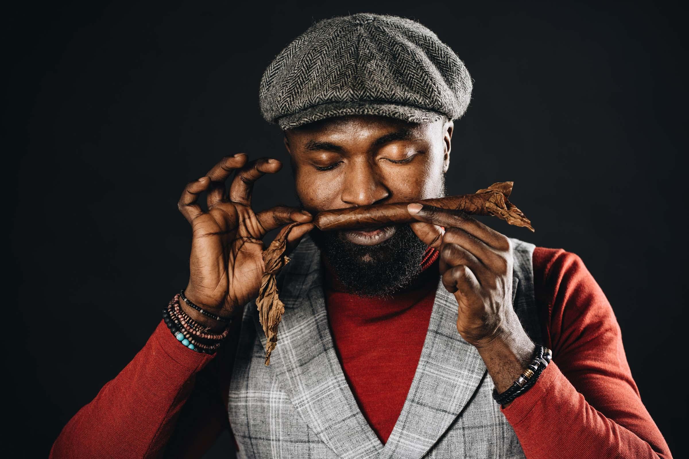 Zigarrendreher | Zigarrenroller | Zigarrenrollerin | Mieten | Anfragen | Trocadero | Handgemacht | Zigarren | Robusto | Corona | Torpedo | Churchill | Banderole | Bauchbinde | drehen | Tabak | Sumatra | Brasilien | Cuba