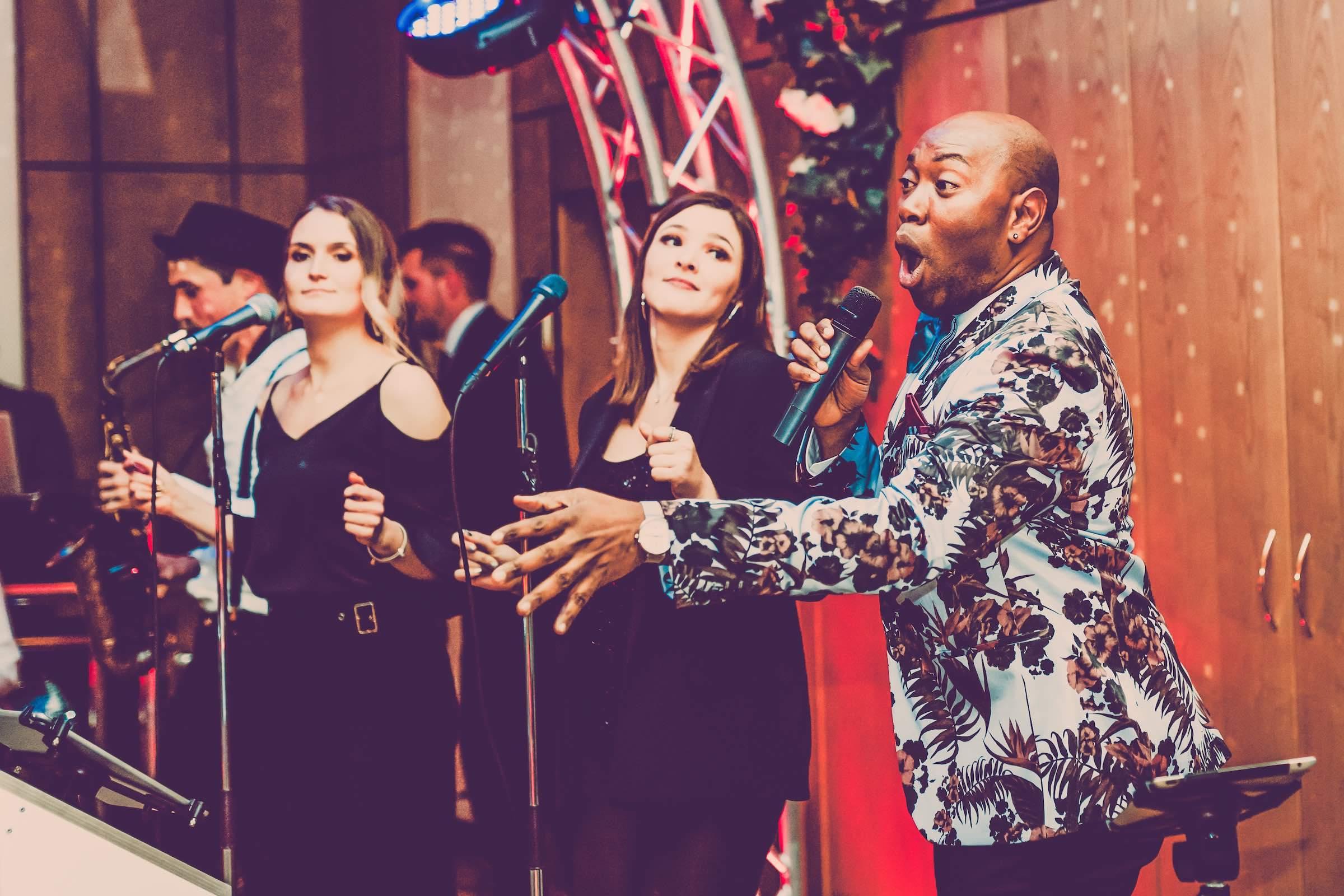 Band   Hannover   Hochzeit   Empfang   Party   Liveband   Livemusik   Jazz   Swing   Loungeband   Popband   Jazz   Sänger   Frontsänger   Messe   Firmenfeier   Gala   Buchen   Mieten   Anfragen   Lehmann   Eventservice