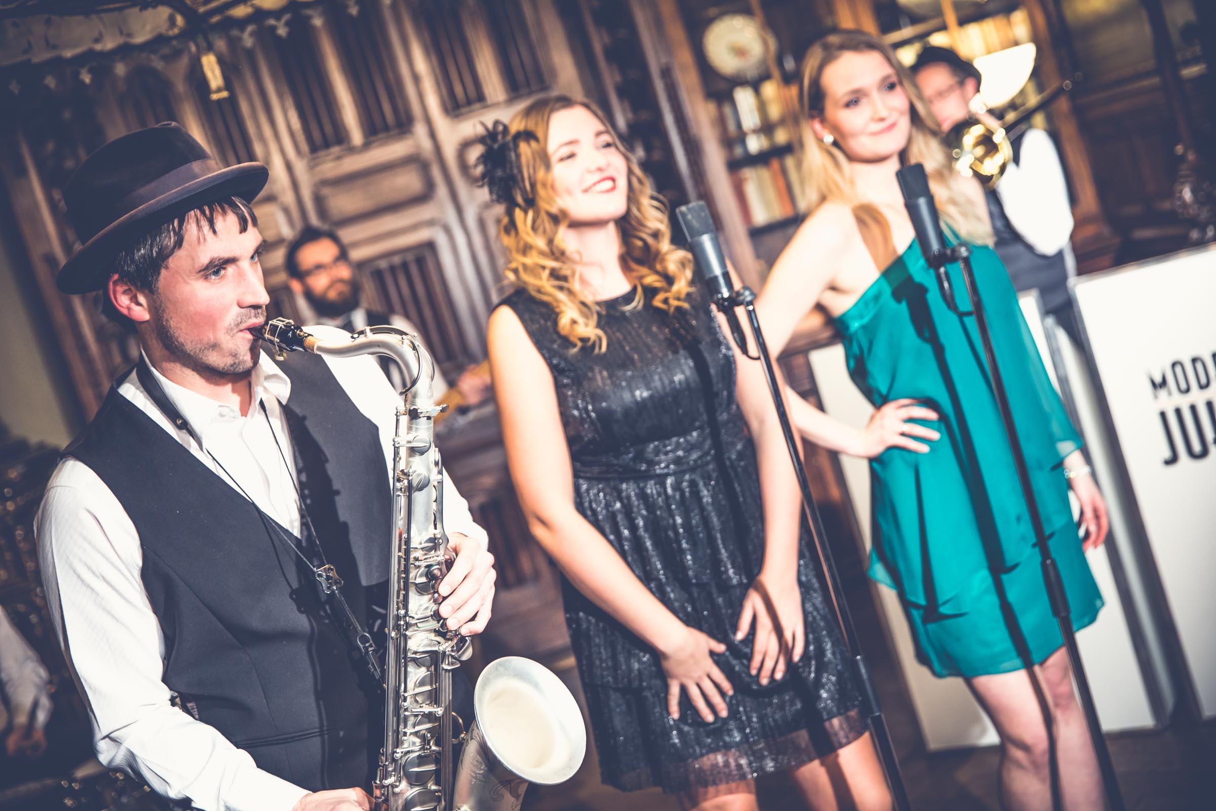 Band | Hannover | Hochzeit | Liveband | Livemusik | Walking | Act | Partyband | Jazzband | Swingband | Loungeband | Popband | Jazz | Saxophonist | Sängerin | Hochzeit | Firmenfeier | Buchen | Anfragen | Lehmann | Eventservice