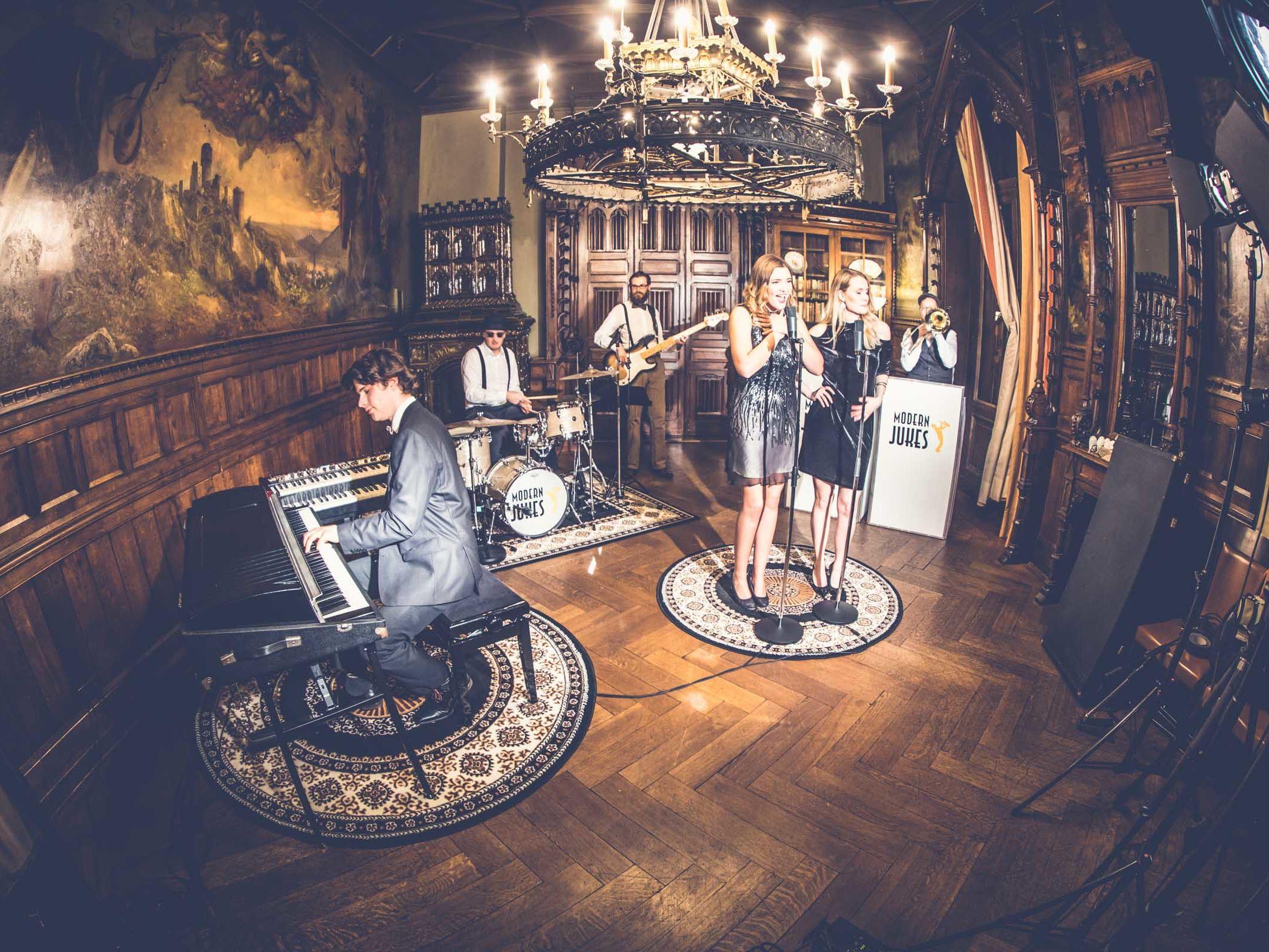 Band | Hochzeit | Hannover | Liveband | Partyband | Pop | Jazz | Swin | 90er | Charts | 80er | Messeparty | Lounge | Sänger | Messe | Firmenfeier | Charity | Gala | Buchen | Mieten | Anfragen | Lehmann | Eventservice