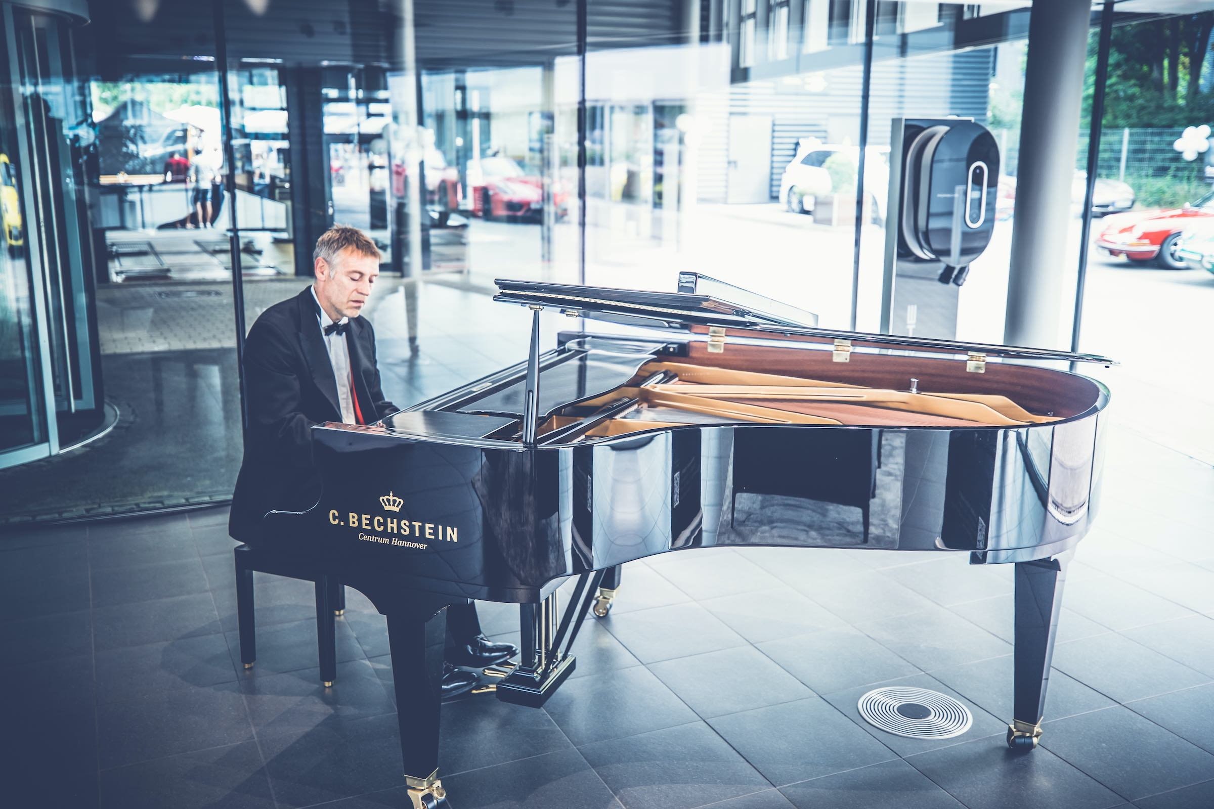 Pianist   Klavierspieler   Hannover   Flügel   Piano   Hochzeit   Buchen   Livemusik   Jazz   Swing   Pop   Motown   Soul   Klavier   Messe   Firmenfeier   Empfang   Buchen   Mieten   Anfragen   Lehmann   Eventservice
