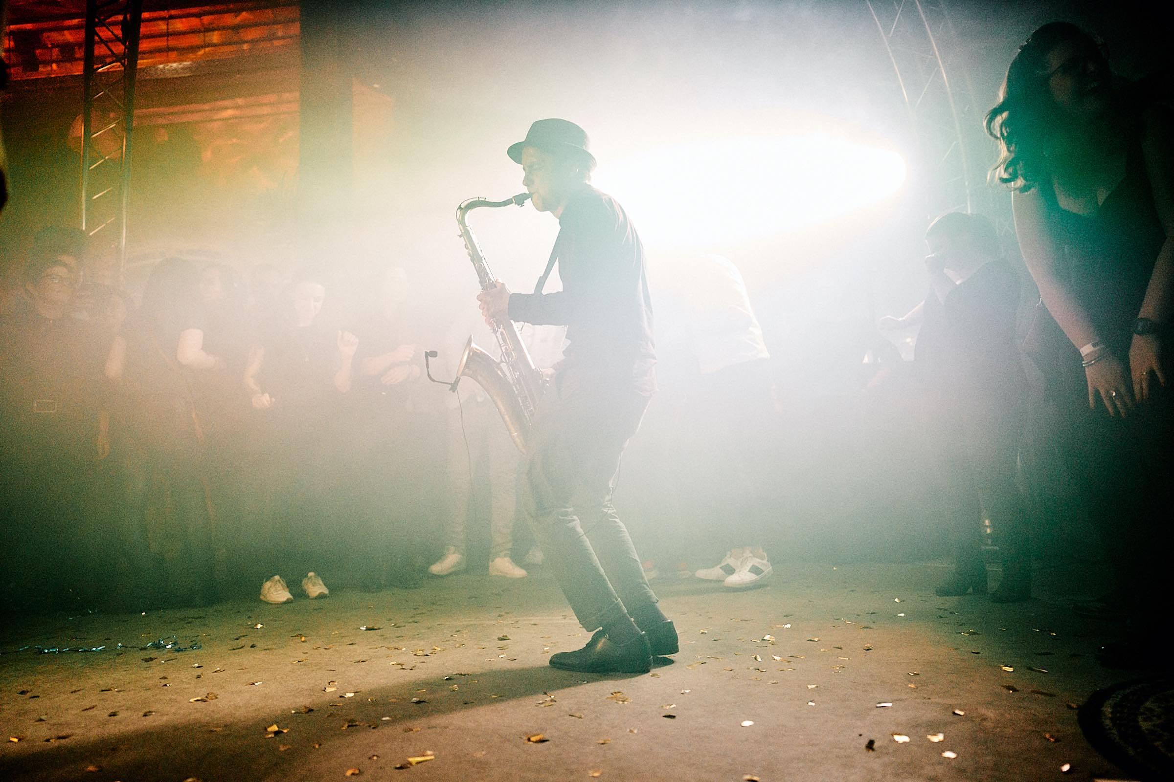 Saxophonist   Saxophon   Hannover   Hochzeit   Buchen   Livemusik   Buchen   House   Electro   Swing   Pop   Party   DJ   Sektempfang   Trauung   Empfang   Messe   Firmenfeier   Mieten   Anfragen   Lehmann   Eventservice