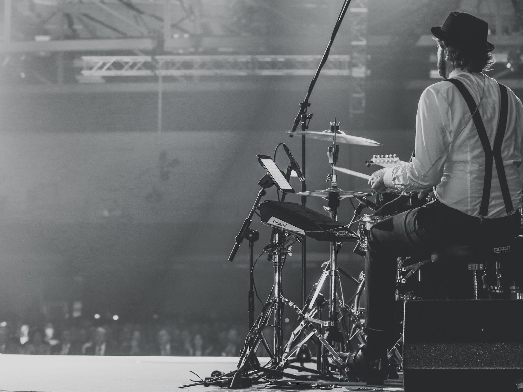 Schlagzeuger | Hannover | Buchen | Liveband | Partyband | Schlagzeug | Drummer | Jazzband | Swingband | Lounge | Pop | Jazz | Hochzeit | Show | Firmenfeier | Charity | Gala | Buchen | Mieten | Anfragen | Lehmann | Eventservice