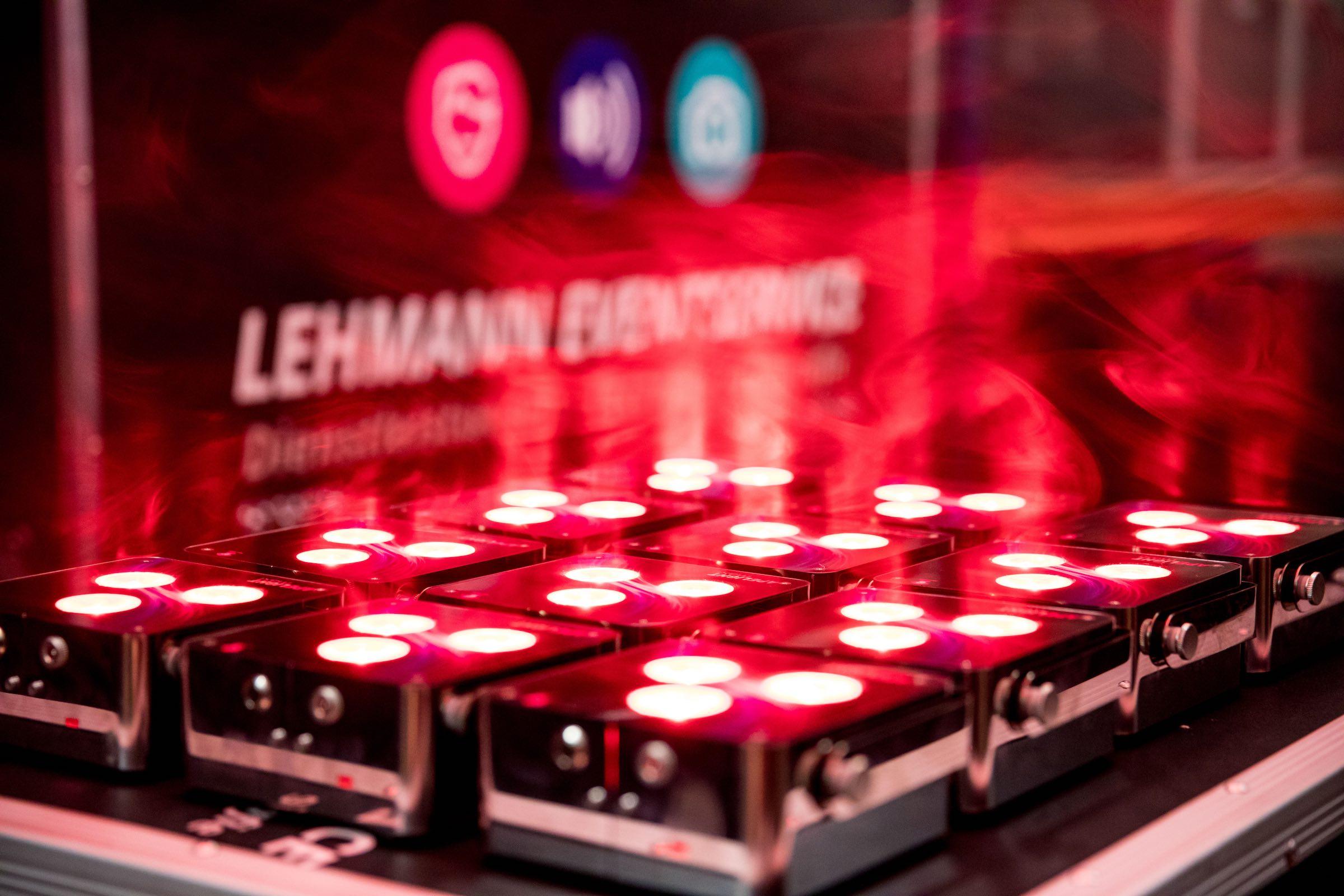 Beleuchtung | Akku | LED | Floorspots | Messe | Firmenveranstaltung | Indoor | Outdoor | Lichttechnik | Raumbleuchtung | Location | Uplight | Buchen | Mieten | Anfragen | Lehmann | Eventservice