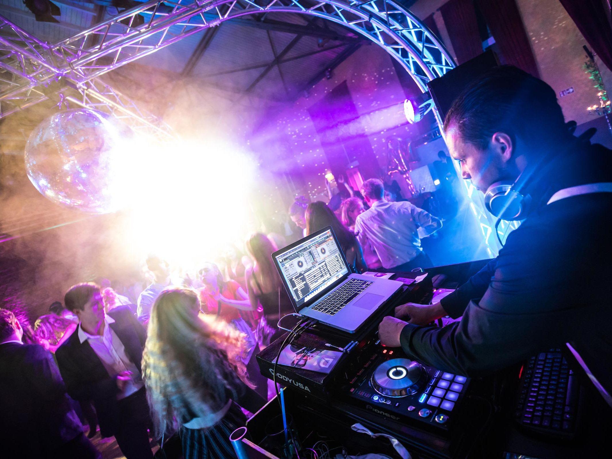 DJ | Abiball | Hannover | Mieten | DJ | Hannover | Marco | Kern | DJ | Hochzeit | Messe | DJ | Event | DJ | Geburtstag | DJ | Betriebsfeier | DJ | Buchen | Discjockey | Mieten | DJ | Agentur | DJ | HCC | Lehmann | Eventservice