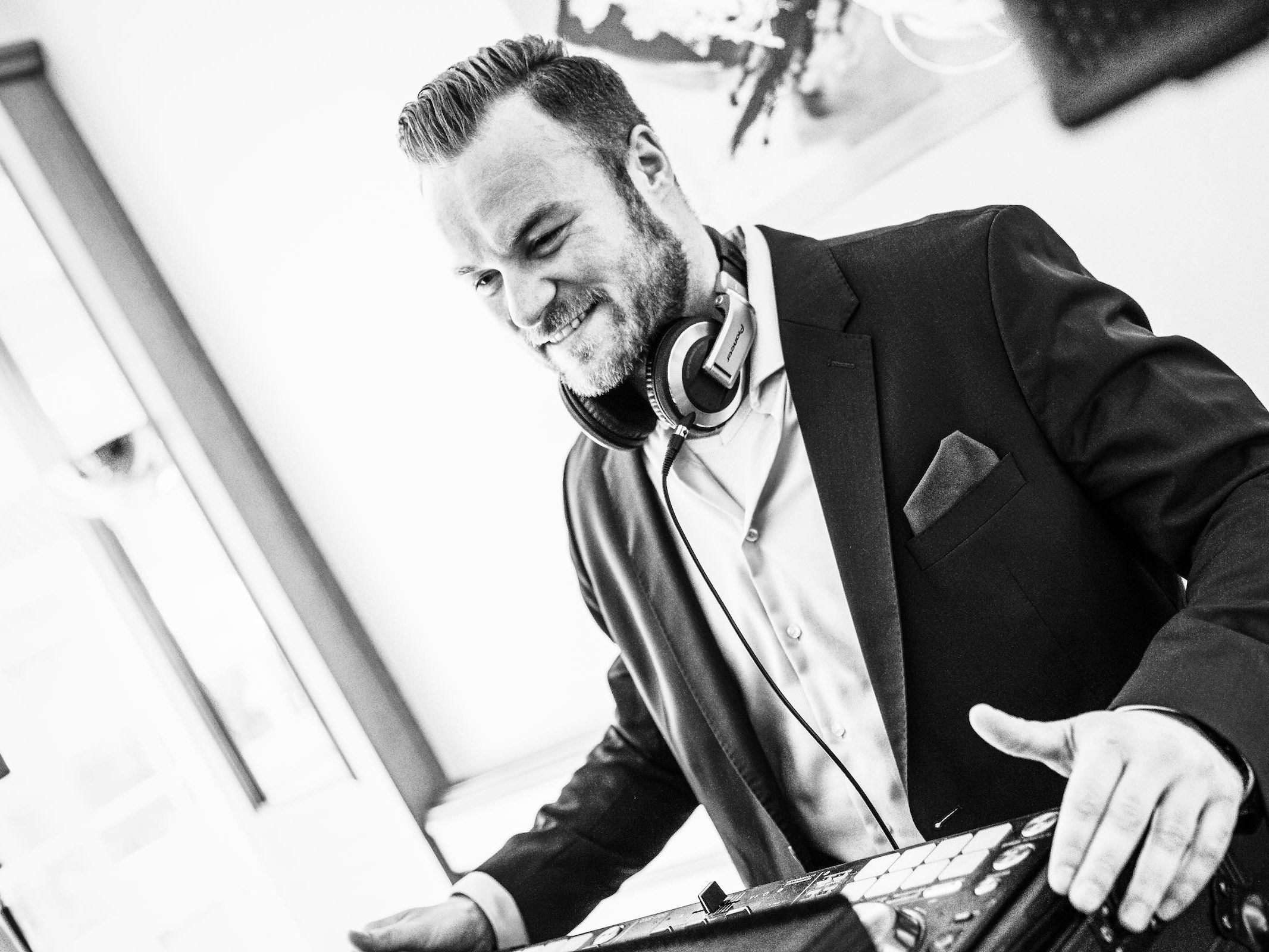 DJ | Hannover | Buchen | Discjockey | Nils | Remme | DJ | Firmenfeier | Messe | DJ | Event | DJ | Geburtstag | DJ | Service | DJ | Kosten | DJ | Mieten | DJ | Anfragen | DJ | Agentur | Lehmann | Eventservice