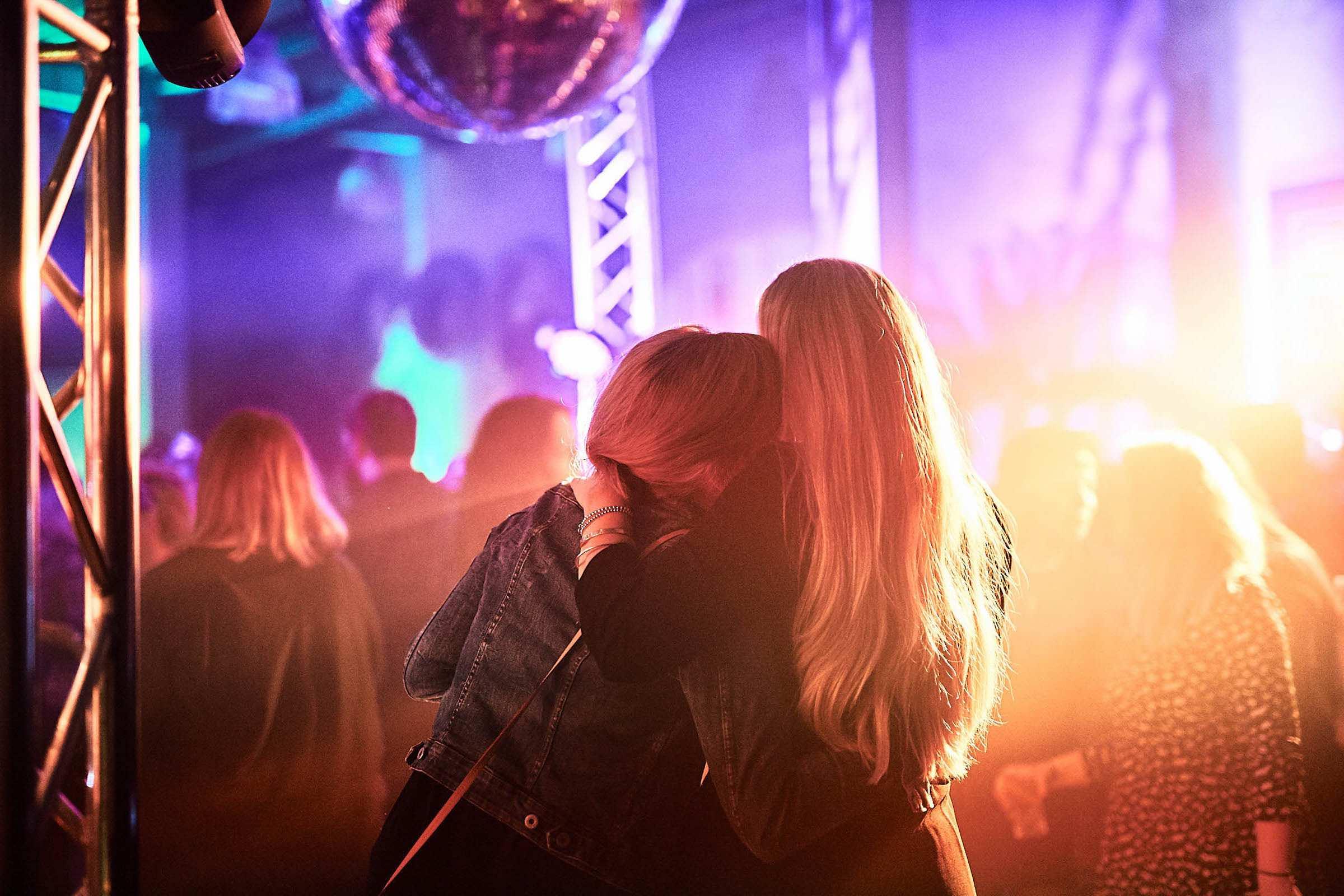 DJ | Hannover | DJ | Messe | Hochzeits | DJ | Hannover | DJ | Firmenevent | Firmenfeier | DJ | Geburtstag | DJ | Weihnachtsfeier | DJ | Sommerfest | DJ | Buchen | Anfragen | Lehmann | Eventservice