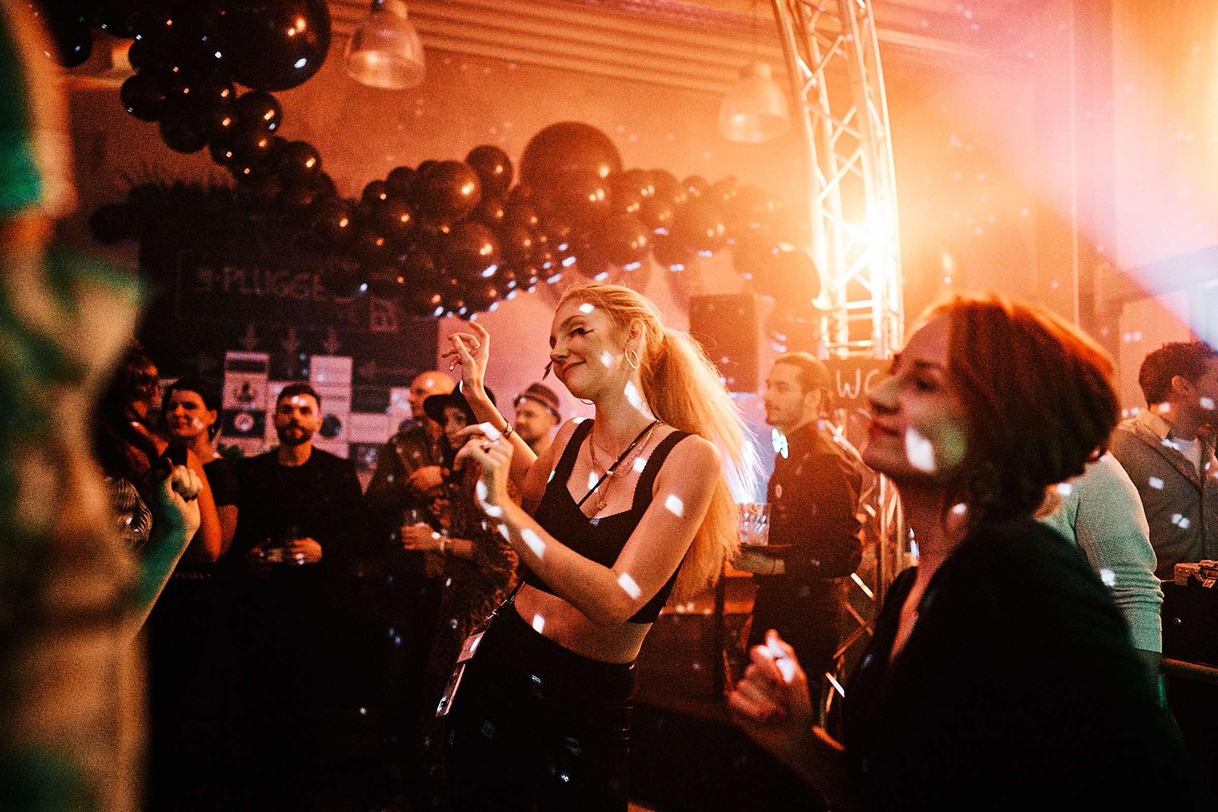 DJ | Hannover | Peine | Braunschweig | DJ | Agentur | DJ | Messe | Hochzeits | DJ | Hannover | DJ | Firmenevent | Firmenfeier | DJ | Geburtstag | DJ | Weihnachtsfeier | DJ | Sommerfest | Buchen | Anfragen | Lehmann | Eventservice