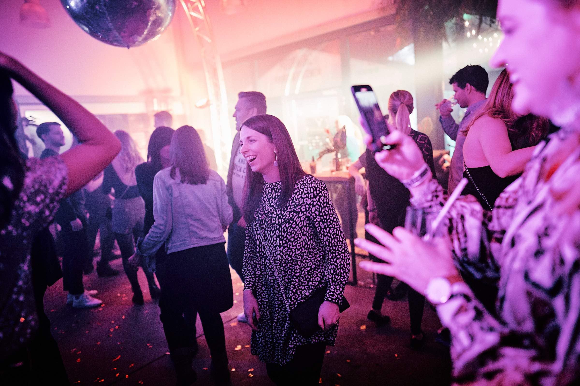 DJ | Hannover | Tanzfläche | Feier | Hannover | DJ | Messe | Hochzeits | DJ | Hannover | DJ | Firmenevent | Firmenfeier | DJ | Geburtstag | DJ | Weihnachtsfeier | DJ | Sommerfest | Buchen | Anfragen | Lehmann | Eventservice