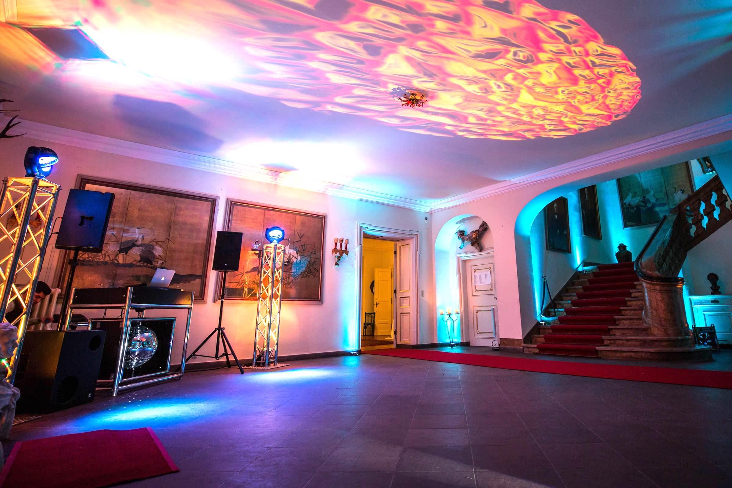 DJ | Hannover | Technik | Lautsprecher | Ambiente | Beleuchtung | Hochzeit | Geburtstag | DJ | Messe | DJ | Firmenevent | Firmenfeier | DJ | Geburtstag | DJ | Weihnachtsfeier | DJ | Sommerfest | Buchen | Lehmann | Eventservice