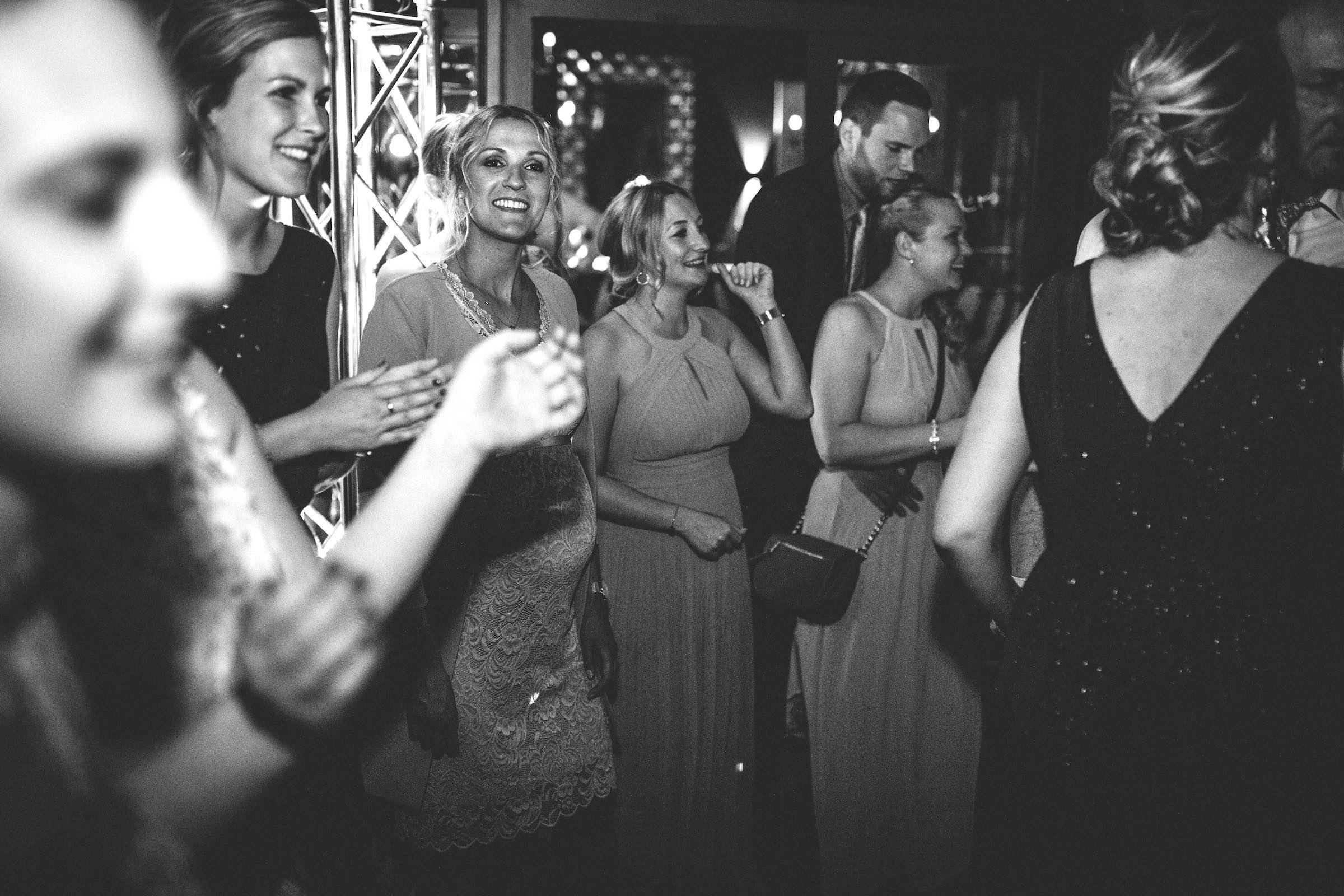 DJ | Hochzeit | Hannover | DJ | Messe | Hochzeits | DJ | Hannover | DJ | Firmenevent | Firmenfeier | DJ | Geburtstag | DJ | Weihnachtsfeier | DJ | Sommerfest | DJ | Landhaus | am | See | Buchen | Anfragen | Lehmann | Eventservice