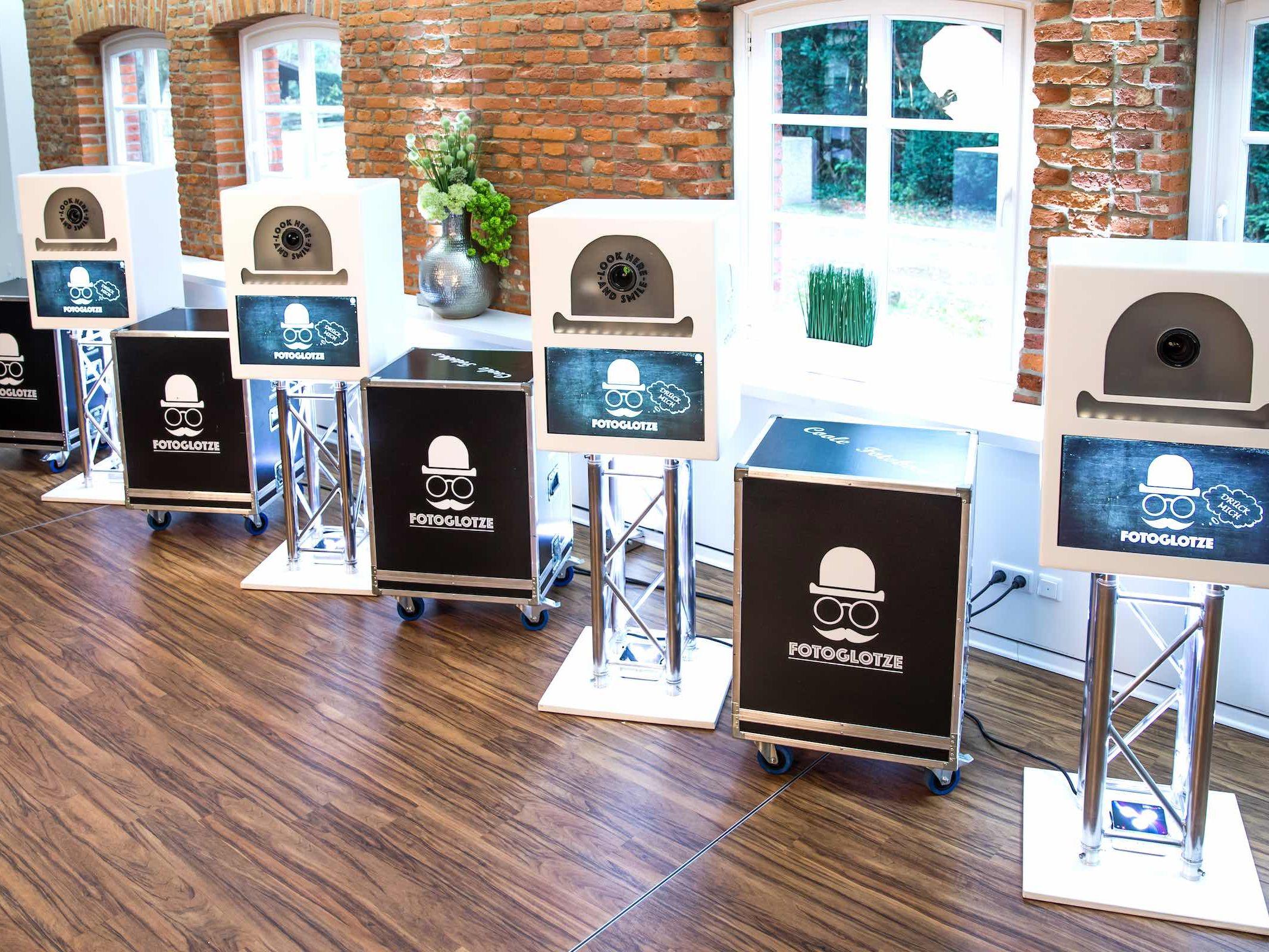 Fotobox | Hameln | Mieten | Druck | Ausdruck | Sofortdruck | Fotokiste | Photobooth | Fotoautomat | Hannover | Hochzeit | Messe | Firmenfeier | Fotokiste | Abiball | Buchen | Mieten | Fotoglotze | Lehmann | Eventservice