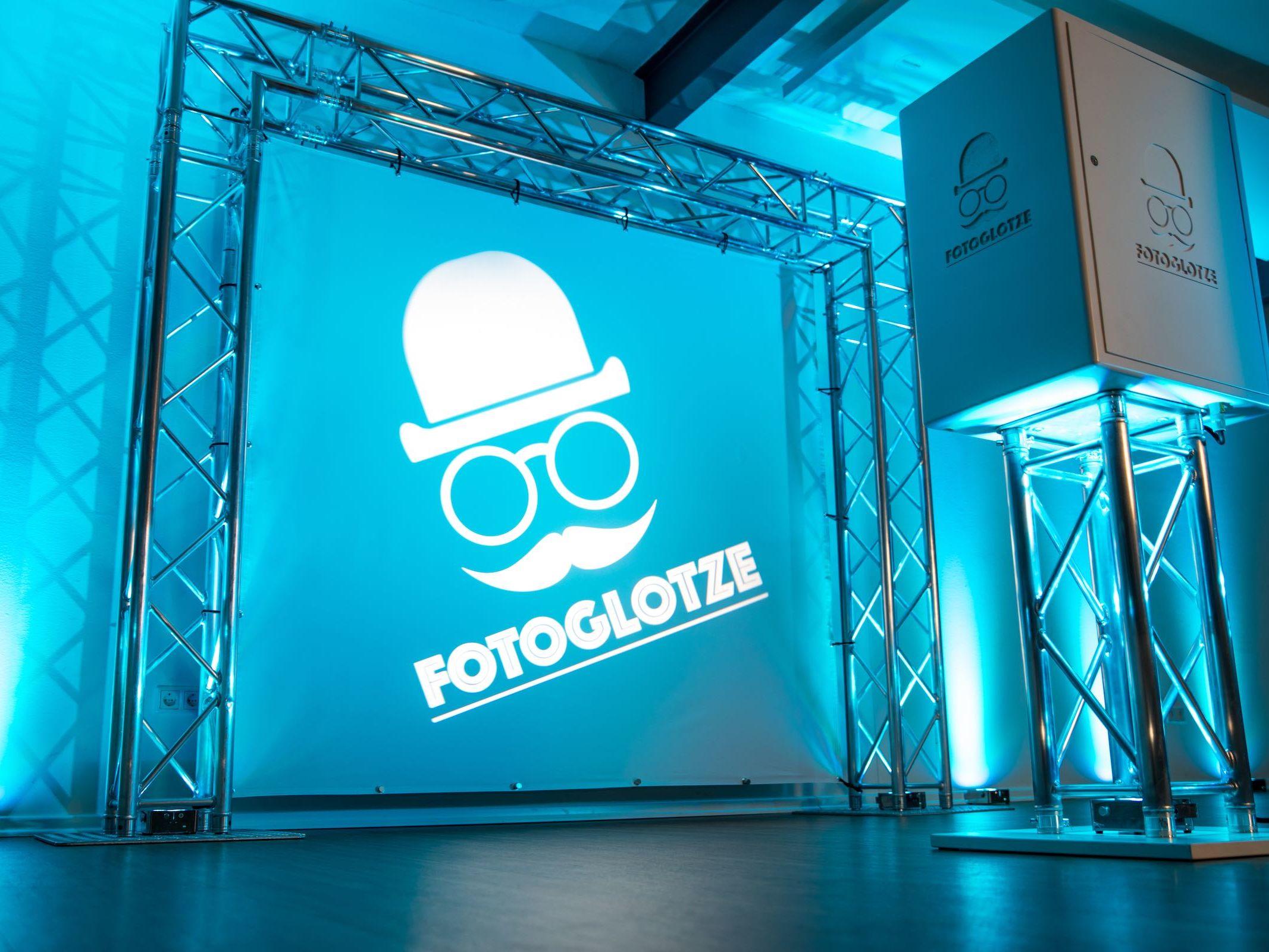 Fotobox | Hannover | Fotokiste | Hochzeit | Fotoautomat | Firmenfeier | Photobooth | Abiball | Fotoglotze | Buchen | Mieten | Anfragen | Lehmann | Eventservice | Hannover