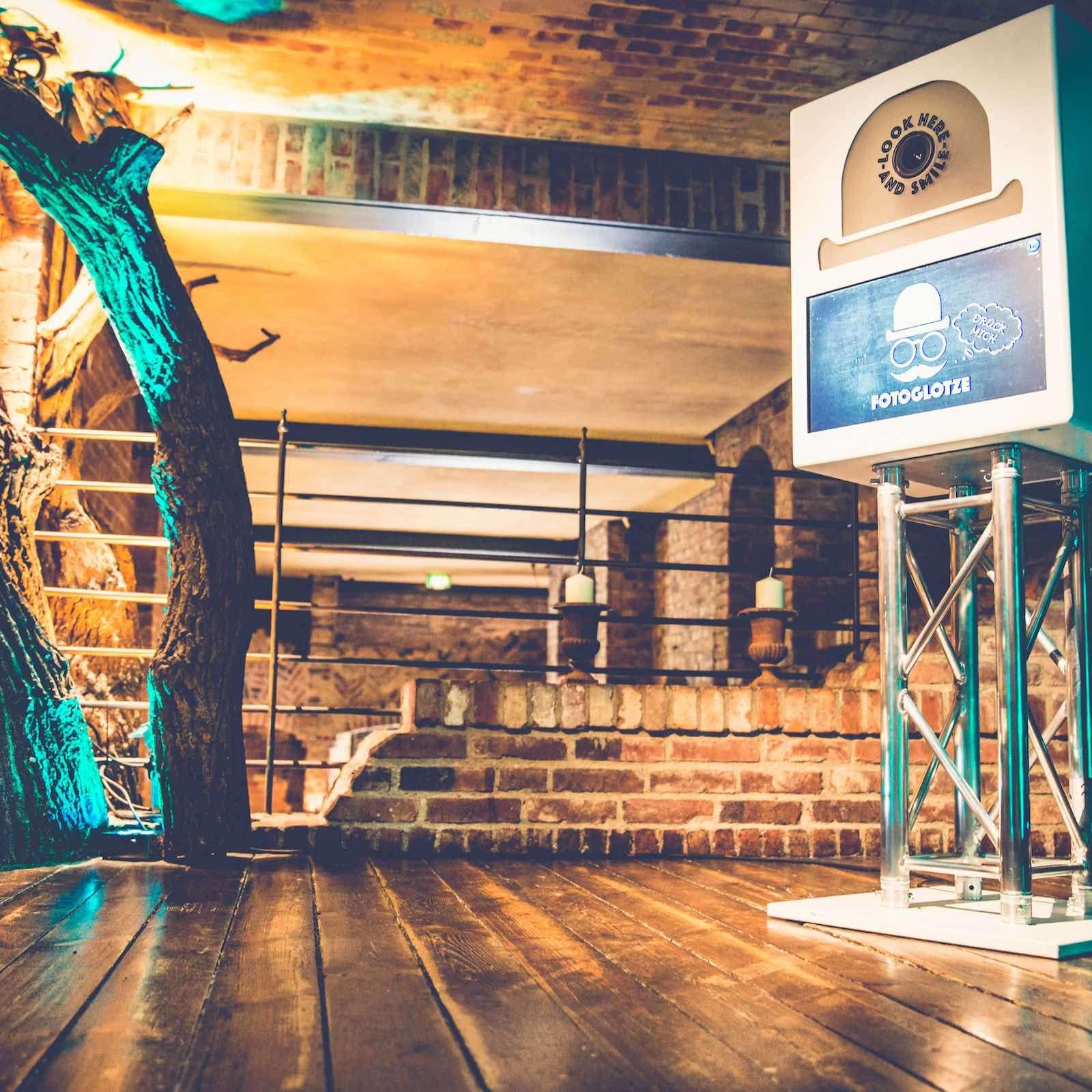 Fotobox | Hannover | Mieten | Druck | Ausdruck | Sofortdruck | Fotokiste | Photobooth | Fotoautomat | Hameln | Hochzeit | Messe | Event | Firmenfeier | Fotokiste | Abiball | Mieten | Fotoglotze | Lehmann | Eventservice