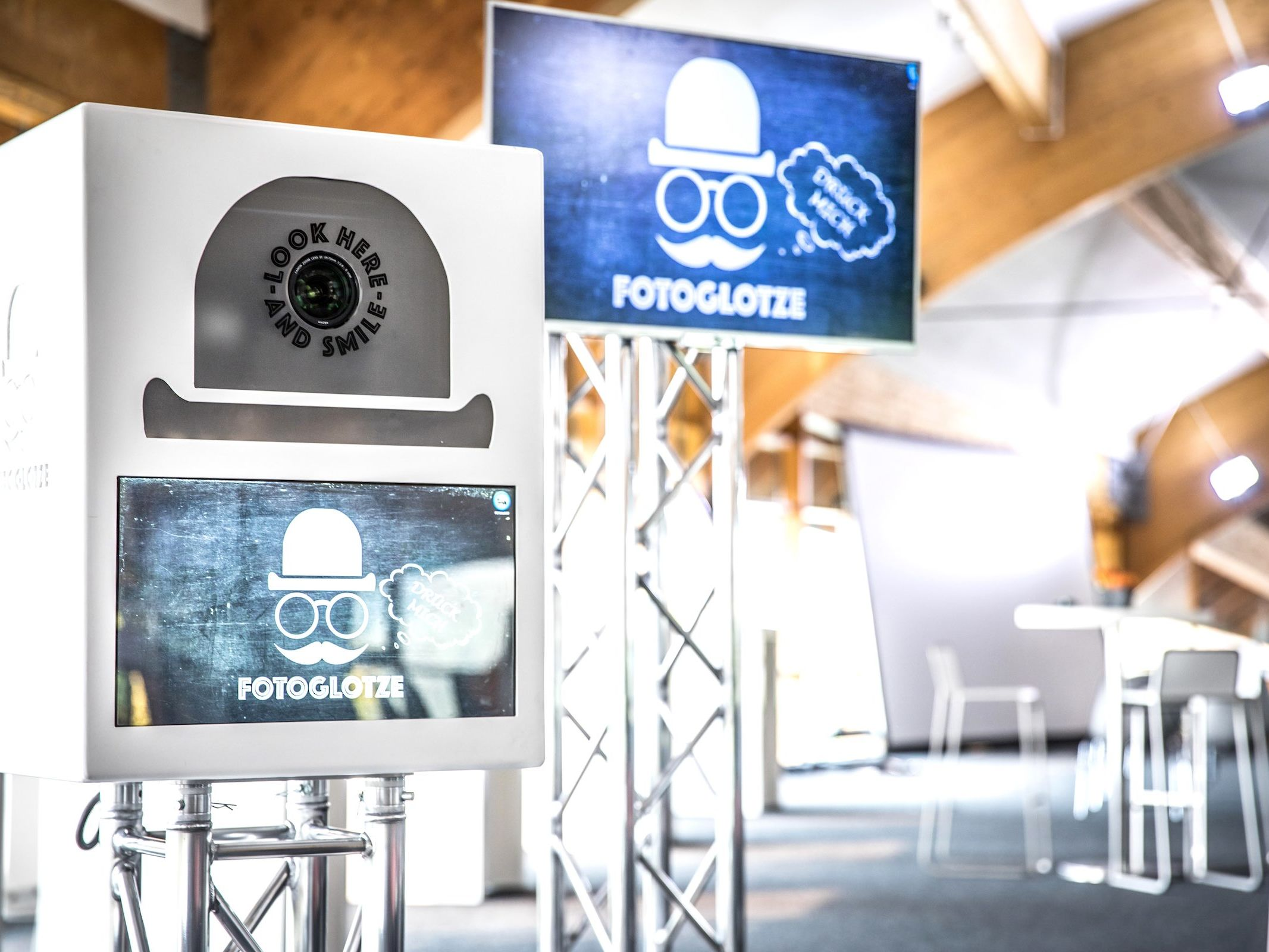 Fotobox | Hochzeit | Hannover | Braunschweig | Sofortdruck | Photobooth | Geburtstg | Messe | Fotokiste | Firmenfeier | Fotoautomat | Hochzeit | Mieten | Fotoglotze | Buchen | Lehmann | Eventservice