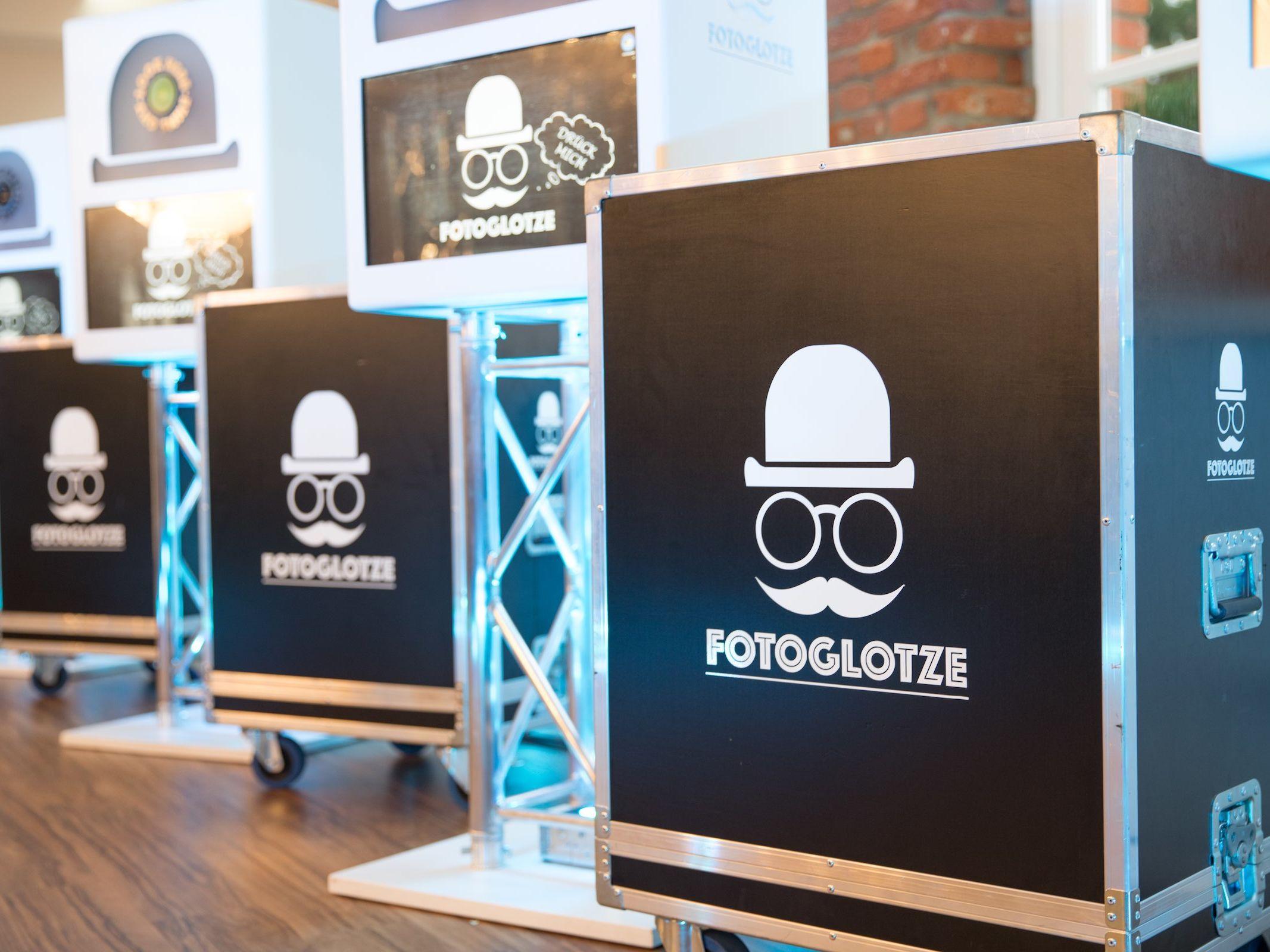 Fotobox | Mieten | Ausdruck | Photobooth | Hannover | Sofortdruck | Geburtstg | Messe | Firmenfeier | Hochzeit | Fotoglotze | Fotokiste | Buchen | Lehmann | Eventservice