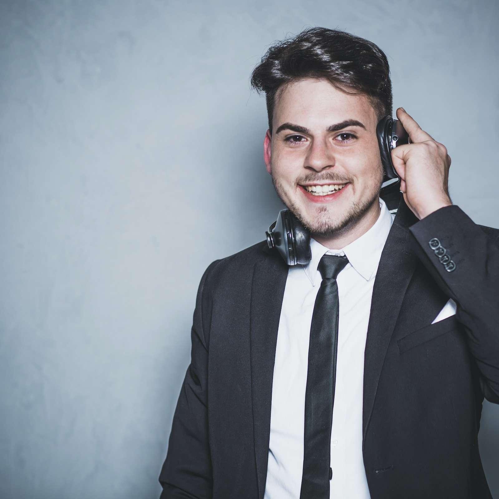 Hochzeits | DJ | Hannover | Discjockey | DJ | Bremen | Hochzeit | Marvin | Feike | Messe | DJ | Event | DJ | Geburtstag | DJ | Mieten | Anfragen | DJ | Agentur | Lehmann | Eventservice