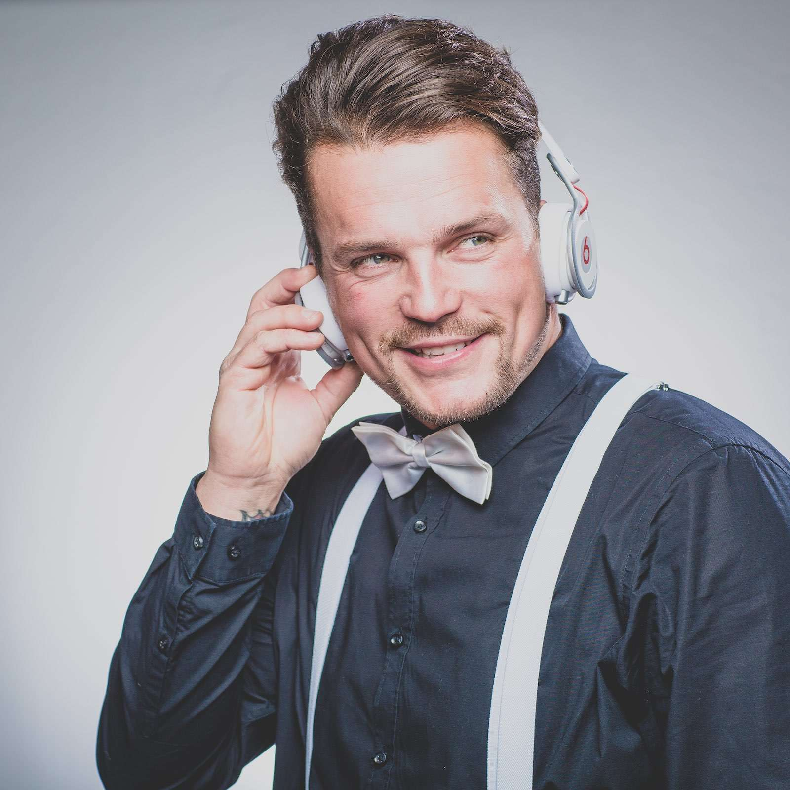 Hochzeits | DJ | Hannover | Mieten | DJ | Hannover | Marco | Kern | DJ | Hochzeit | Messe | DJ | Event | DJ | Geburtstag | DJ | Betriebsfeier | DJ | Buchen | Discjockey | Mieten | DJ | Agentur | Lehmann | Eventservice