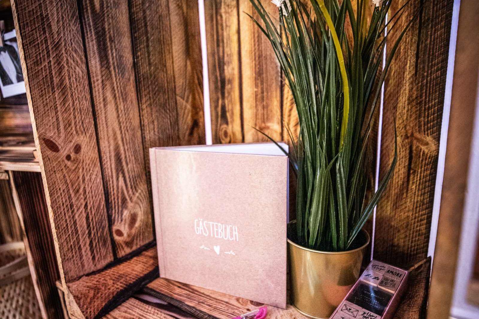 Kamera | Mieten | Gästebuch | Polaroid | Sofortbildkamera | Hochzeit | Firmenfeier | Set | Bundle | Buchen | Mieten | Anfragen