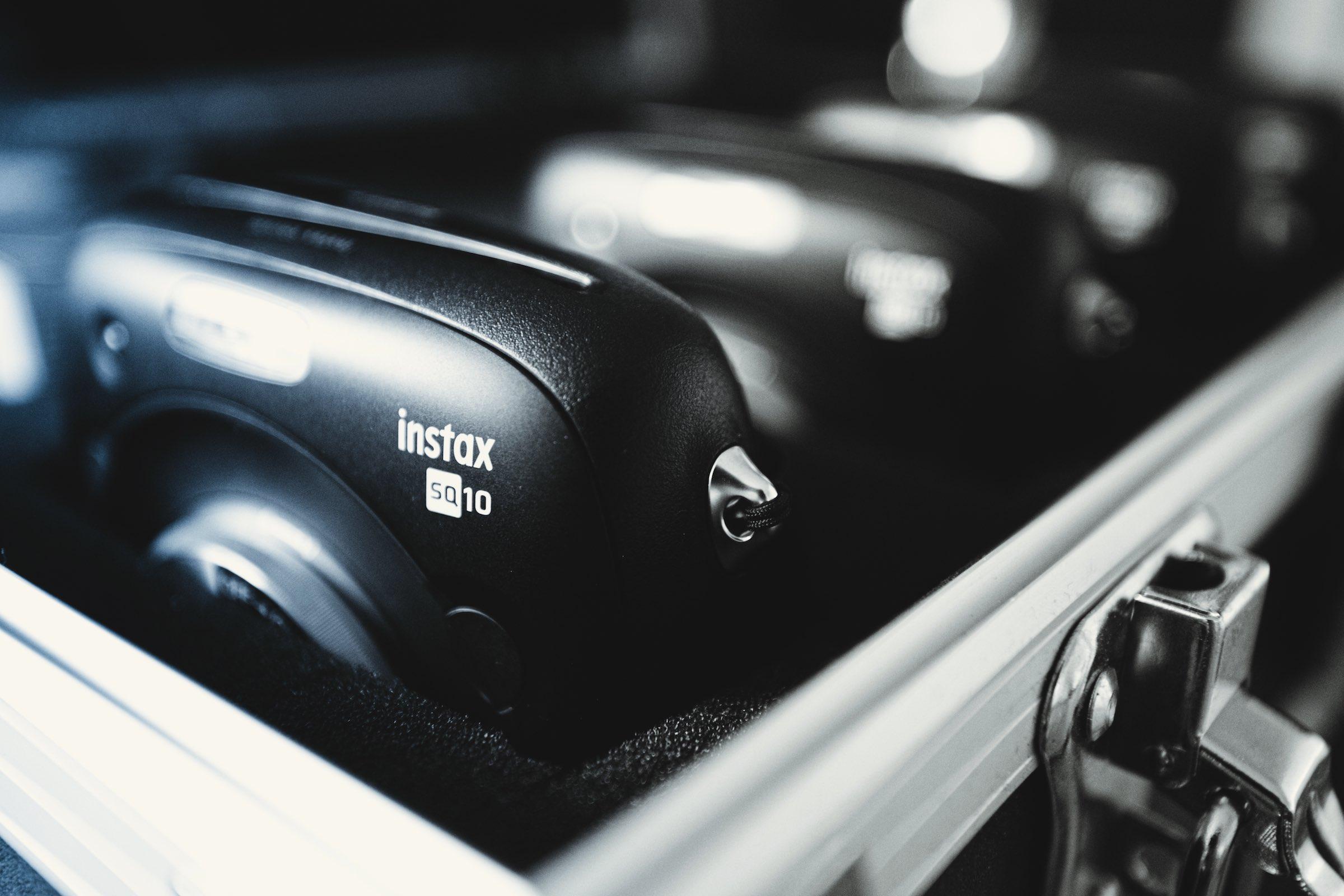 Knipsel | Polaroid | Kamera | Set | Koffer | Bilder | Mieten | Anfragen | Sofortbildkamera | Versand | Lieferung