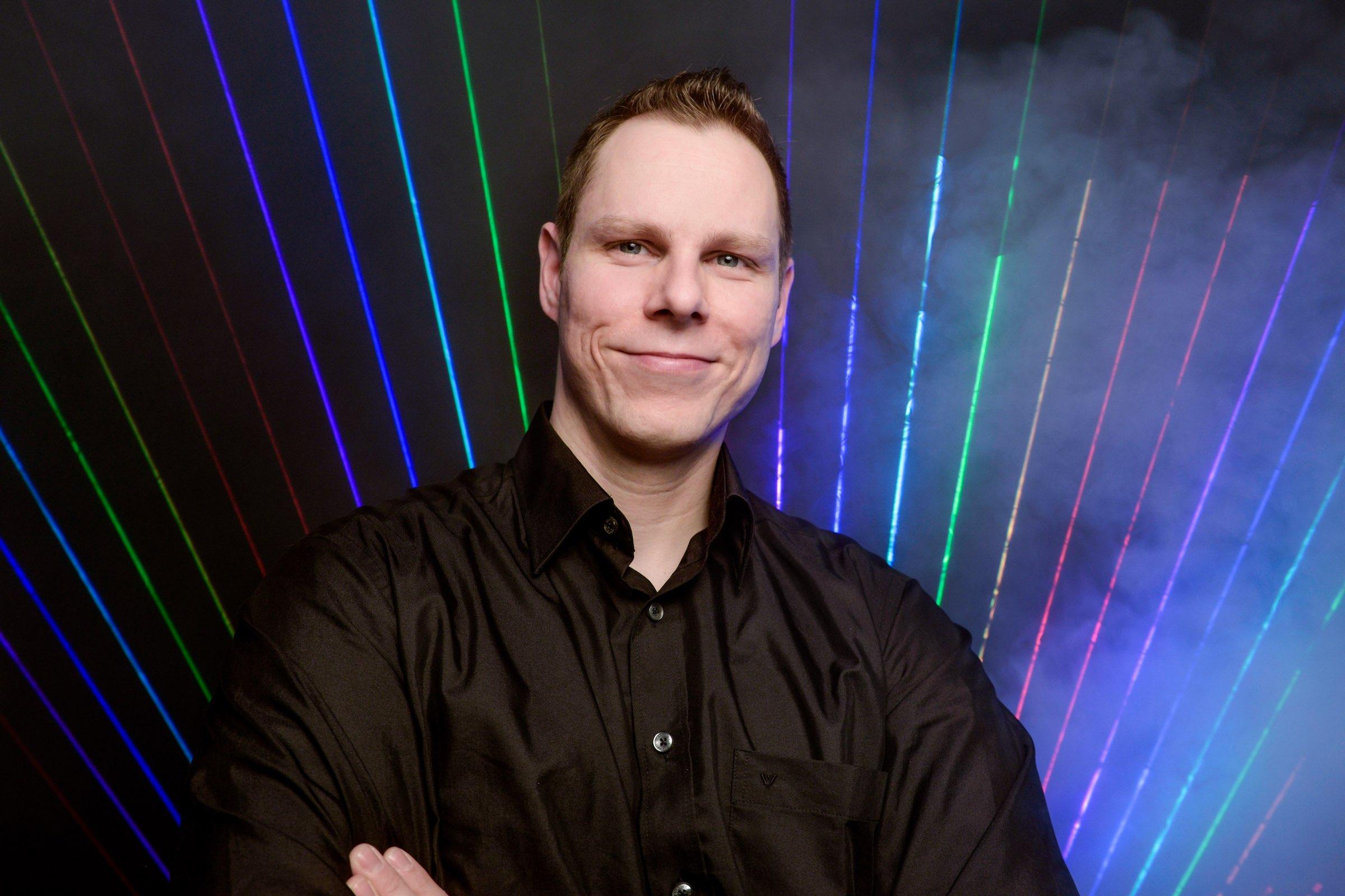 Lasershow |Hannover |Event |Hohzeit |Business |Laser |Lichtshow |Beamshow |Lichttechnik |Indoor |Lightshow Bühnenshow |Präsentation |Business |Anfragen |Buchen |Mieten