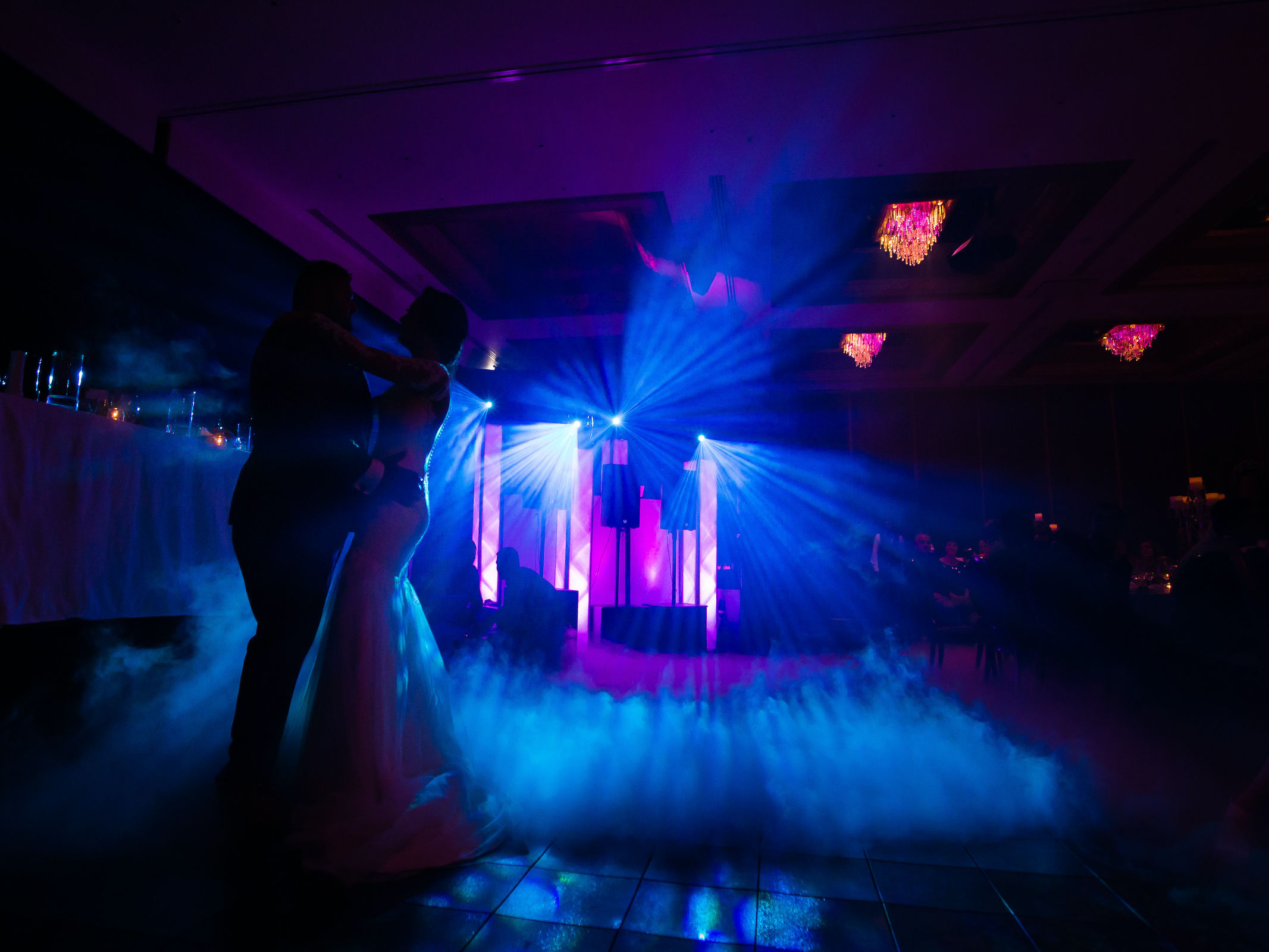 Lasershow | Hochzeit | Event | Business | Messe | Laser | Lichtshow | Outdoor | Beamshow | Lichttechnik | Indoor | Lightshow | Bühnenshow | Präsentation | Business | Anfragen | Buchen | Mieten