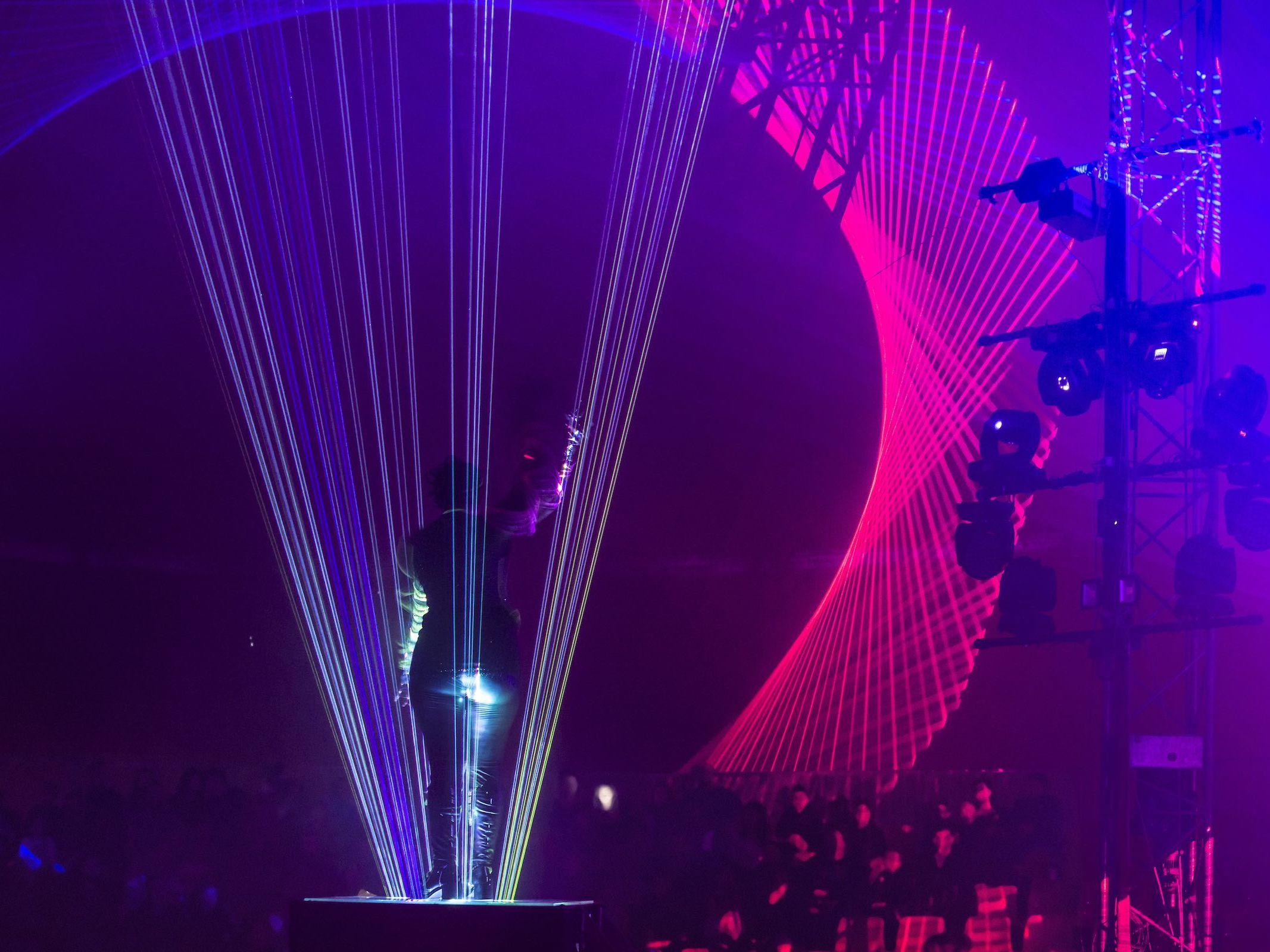 Lasershow | Laser | Technik | Event | Show | Laser | Lichtshow | Outdoor | Beamshow | Lichttechnik | Indoor | Lightshow | Bühnenshow | Präsentation | Business | Anfragen | Buchen | Mieten | Lehmann | Eventservice