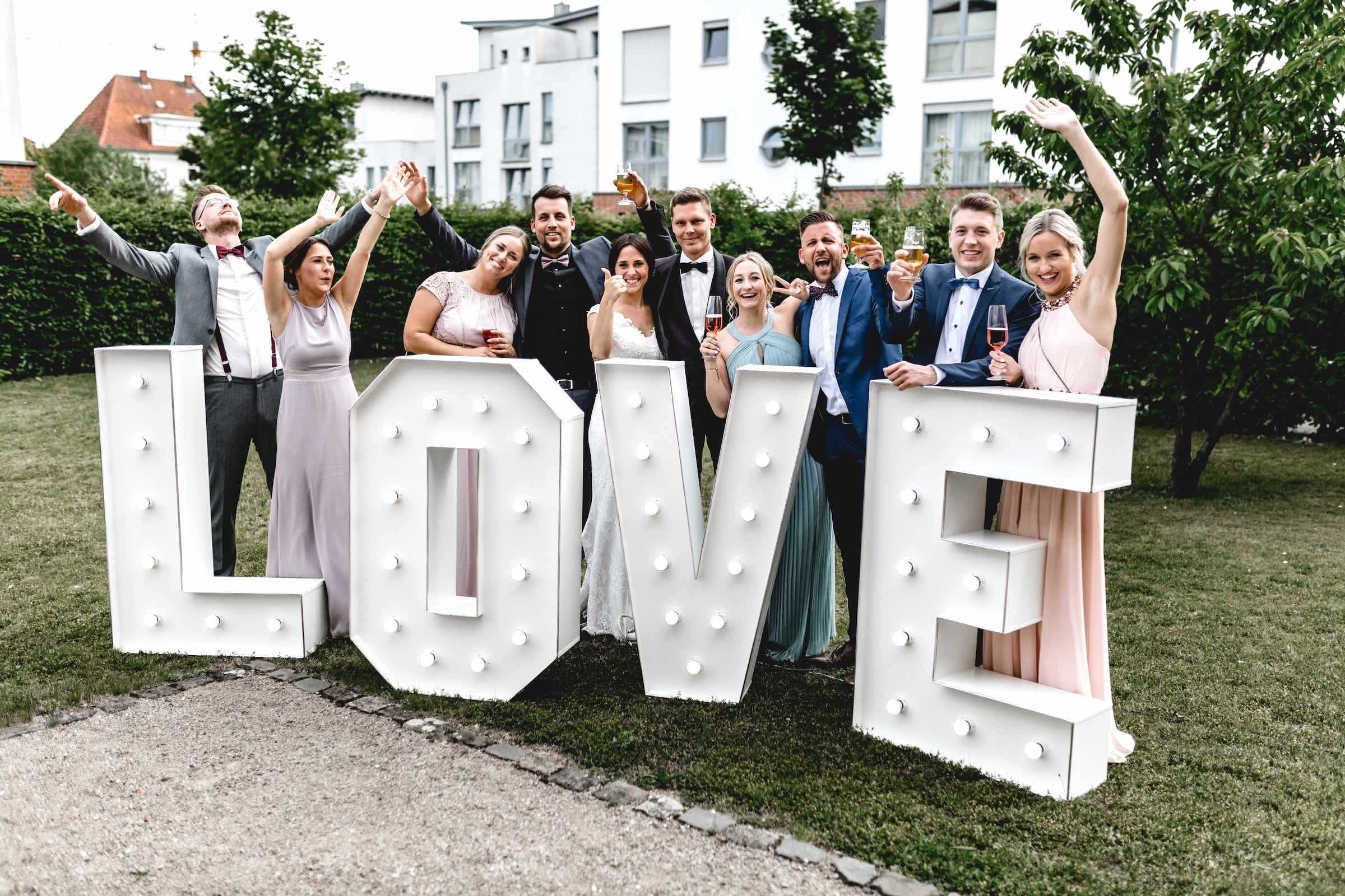 Leuchtbuchstaben | Hochzeit | LED | Buchstaben | Wedding | Beleuchtete | XXL | Holz | Love | Hannover | Quertz | Buchen | Anfragen | Mieten | Lehmann | Eventservice