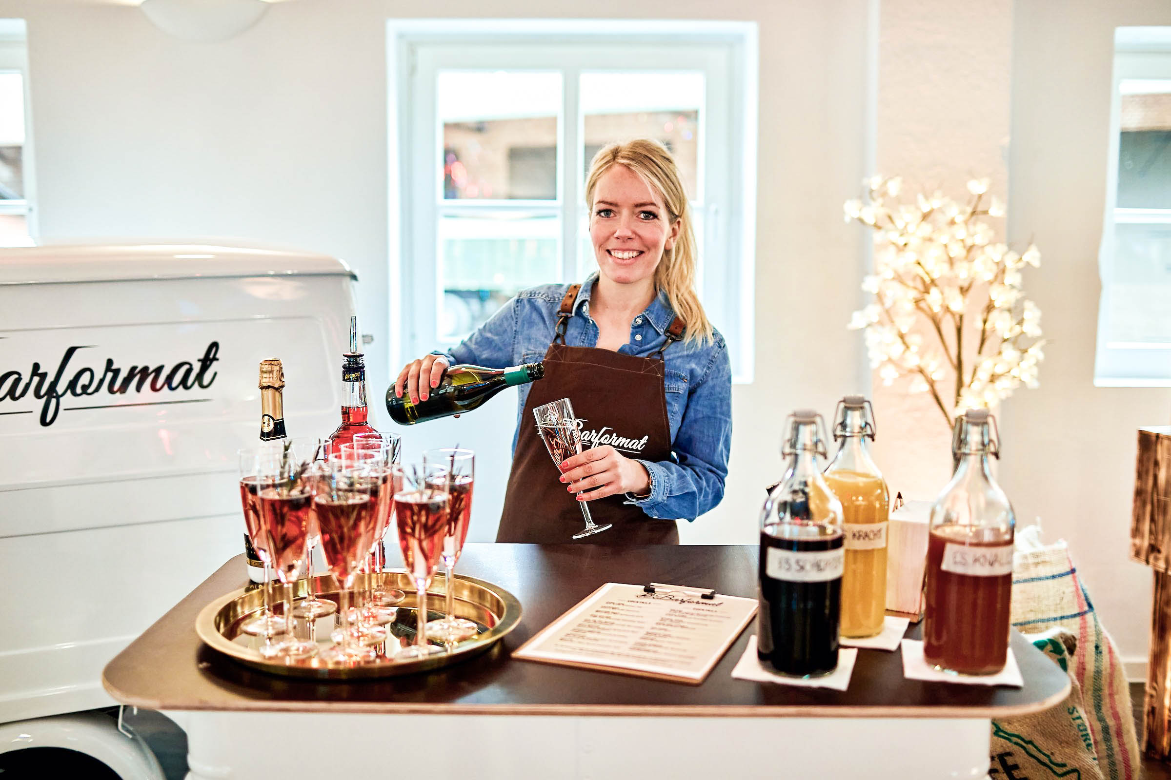 Mobile | Bar | Ape | Bulli | Cocktailservice | Getränke | Catering | Sektbar | Hannover | Sektempfang | Standesamt | Hochzeit | Barkeeper | Kellner | Hochzeit | Event | Mieten | Buchen | Lehmann | Eventservice