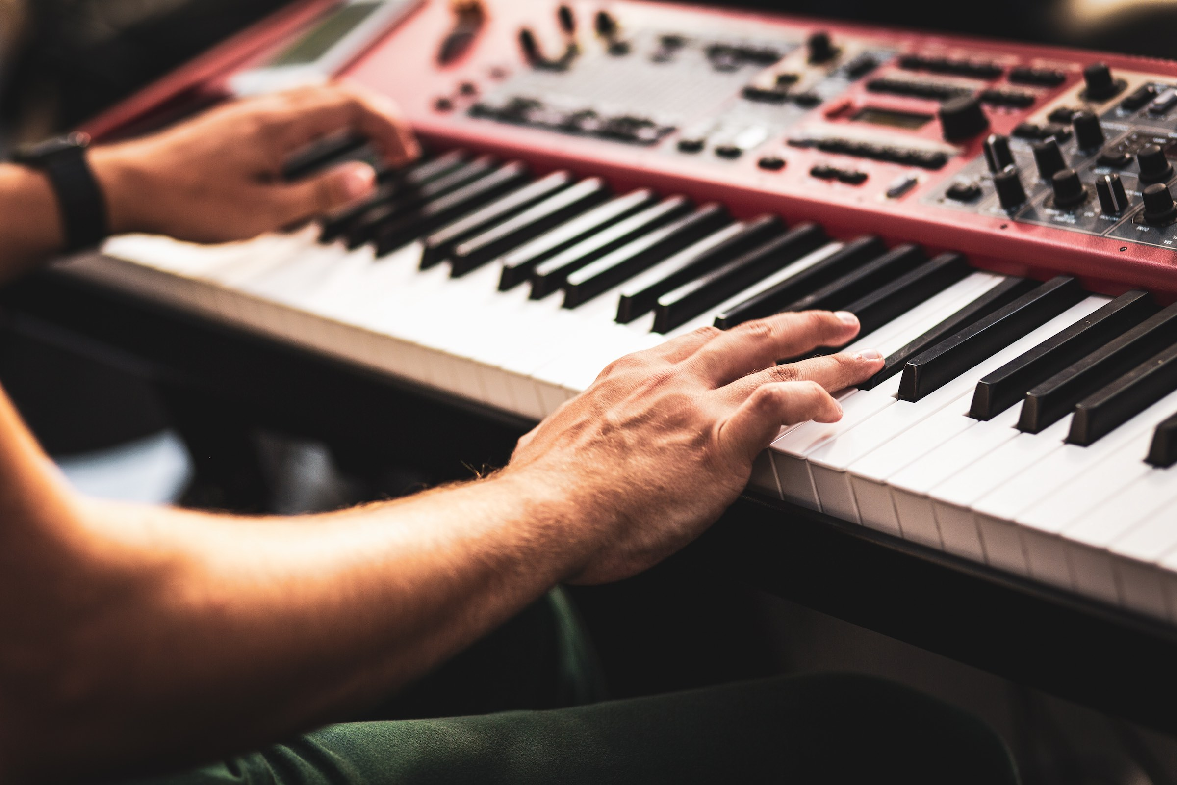 Pianist | Klavierspieler | Barpianist | Barpiano | Hannover | Hochzeit | Trauung | Empfang | Sektempfang | Dinner | Kirche | Buchen | Mieten | Anfragen | Alexander | Barsch | Lehmann | Eventservice