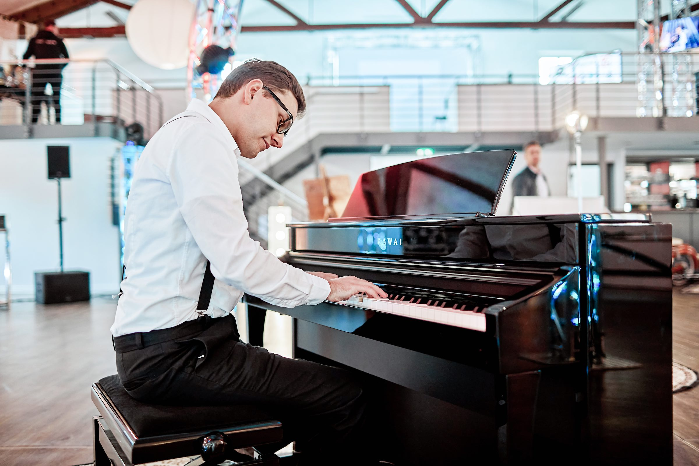 Pianist   Klavierspieler   Barpiano   Barpianist   Hannover   Alexander   Barsch   Hochzeit   Empfang   Trauung   Sektempfang   Dinner   Kirche   Buchen   Mieten   Anfragen   Lehmann   Eventservice
