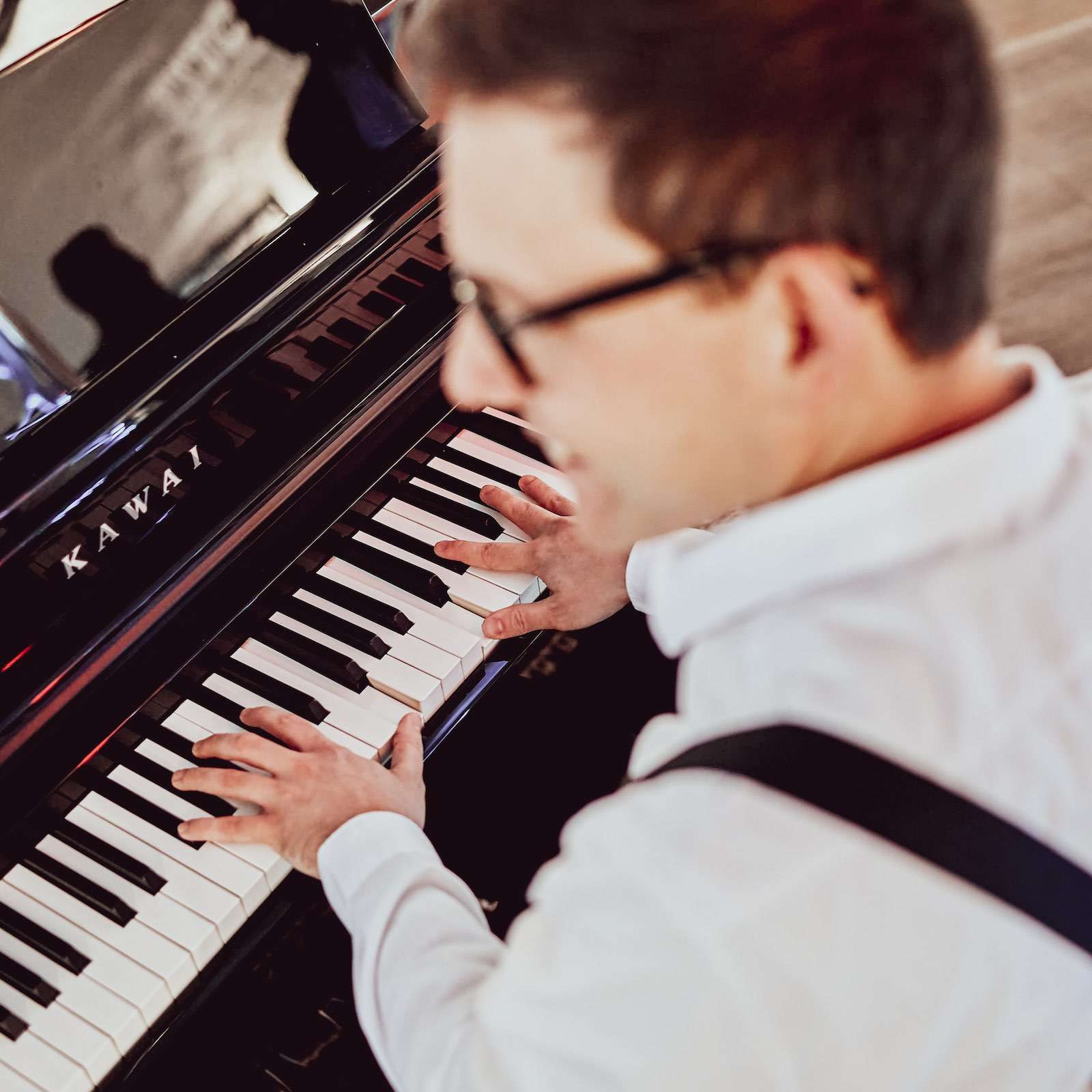 Pianist | Klavierspieler | Barpiano | Barpianist | Hannover | Hochzeit | Trauung | Empfang | Sektempfang | Dinner | Kirche | Buchen | Mieten | Anfragen | Alexander | Barsch | Lehmann | Eventservice