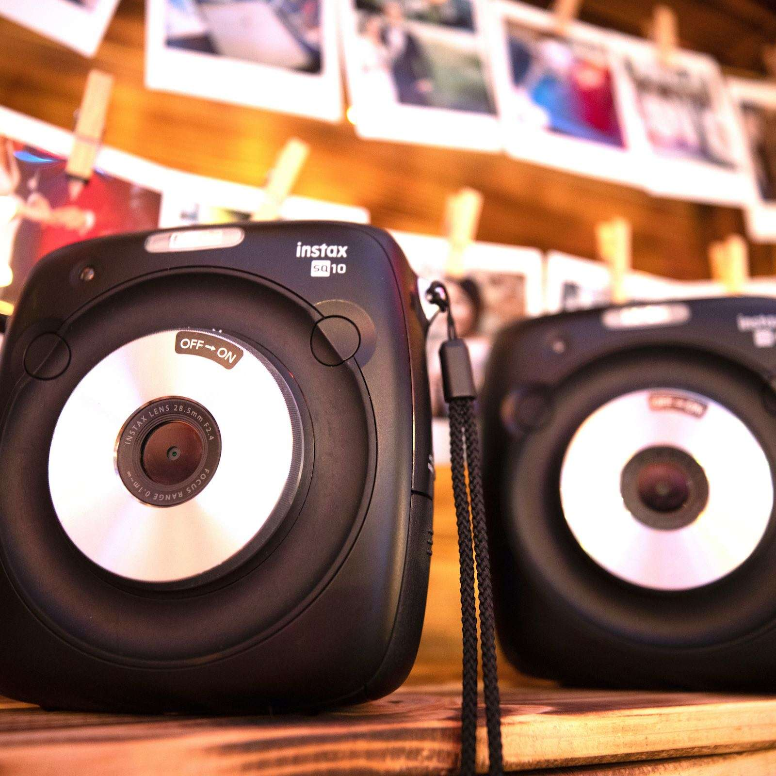 Polaroid | Instax | Kamera | Leihen | Hochzeit | Set | Koffer | Mieten | Anfragen | Buchen | Hochzeit | Event | Sofortbildkamera | Versand | Lieferung | Knipsel