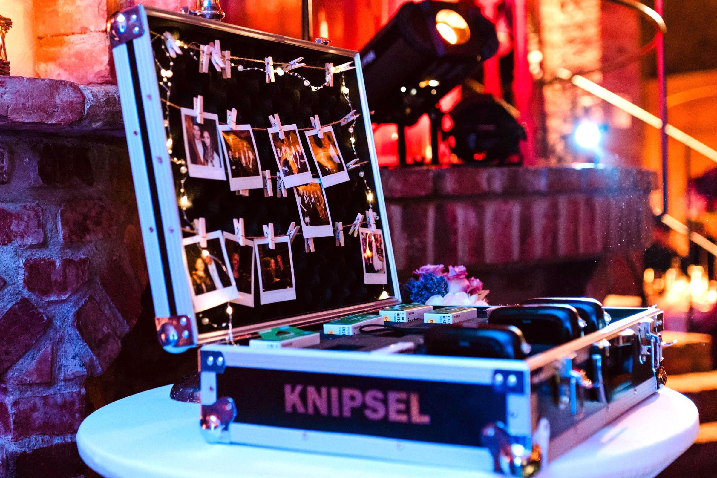 Polaroid | Kamera | Set | Koffer | Bilder | Instax | Mieten | Leihen | Retro | Hochzeit | Wedding | Hochzeit | Sofortbildkamera