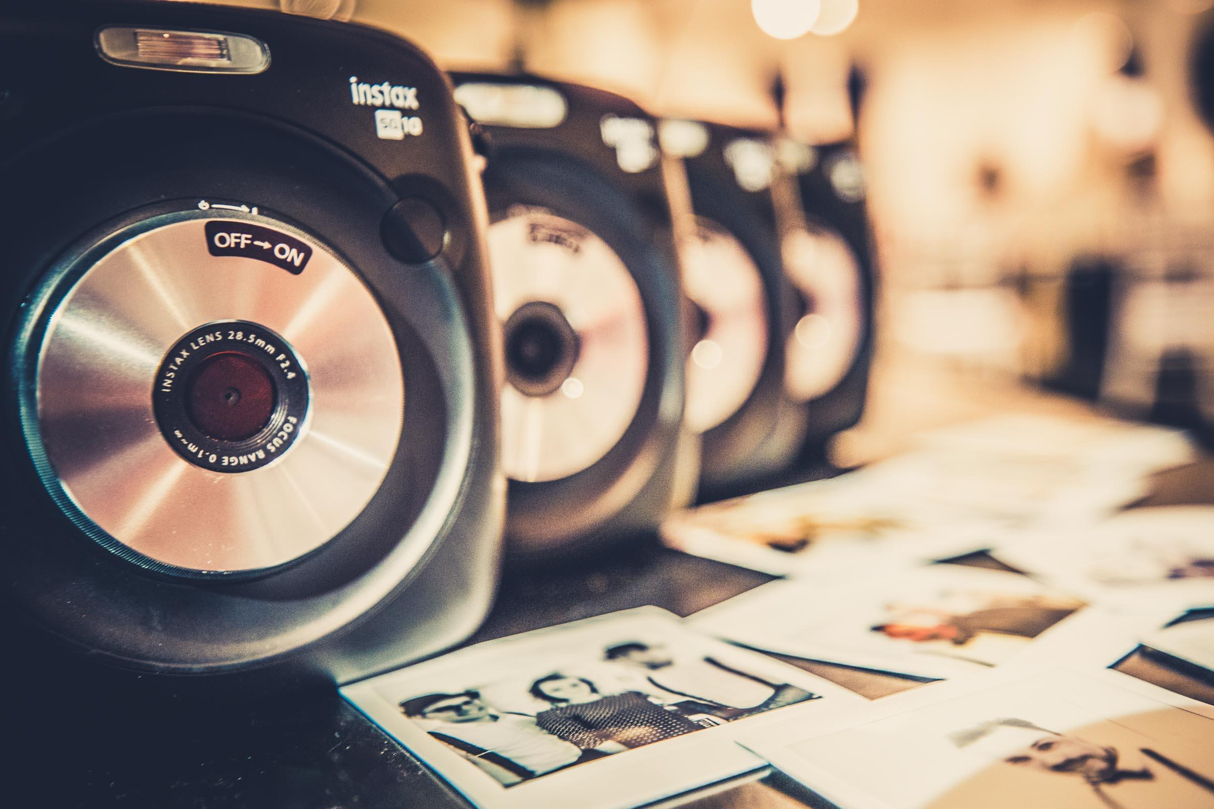 Polaroid | Koffer | Bilder | Instax | Mieten | Hochzeit | Wedding | Sofortbild | Retro | Knipsel