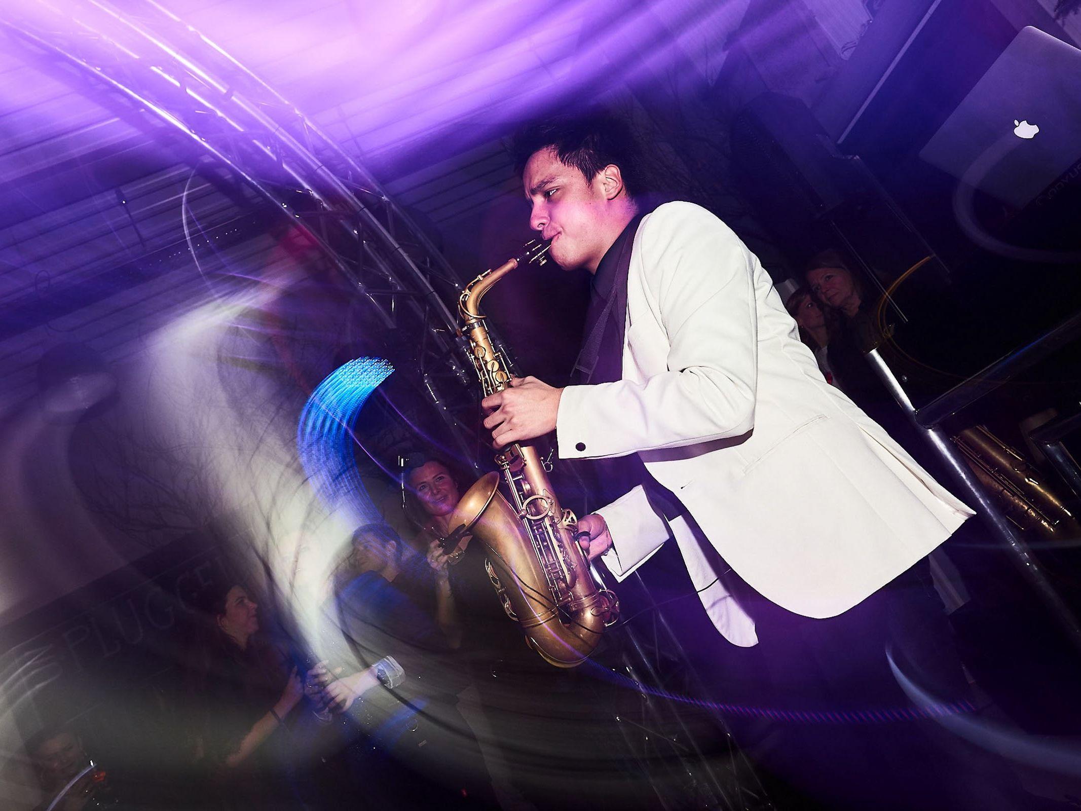 Saxophonist |Saxophon |Hannover |Hochzeit |Buchen |Empfang |Trauung |Party |Buchen |Livemusik |House |Electro |Pop |Party |Event |Hochzeit |Empfang |Messe |Firmenfeier |Mieten |Anfragen |Lehmann |Eventservice