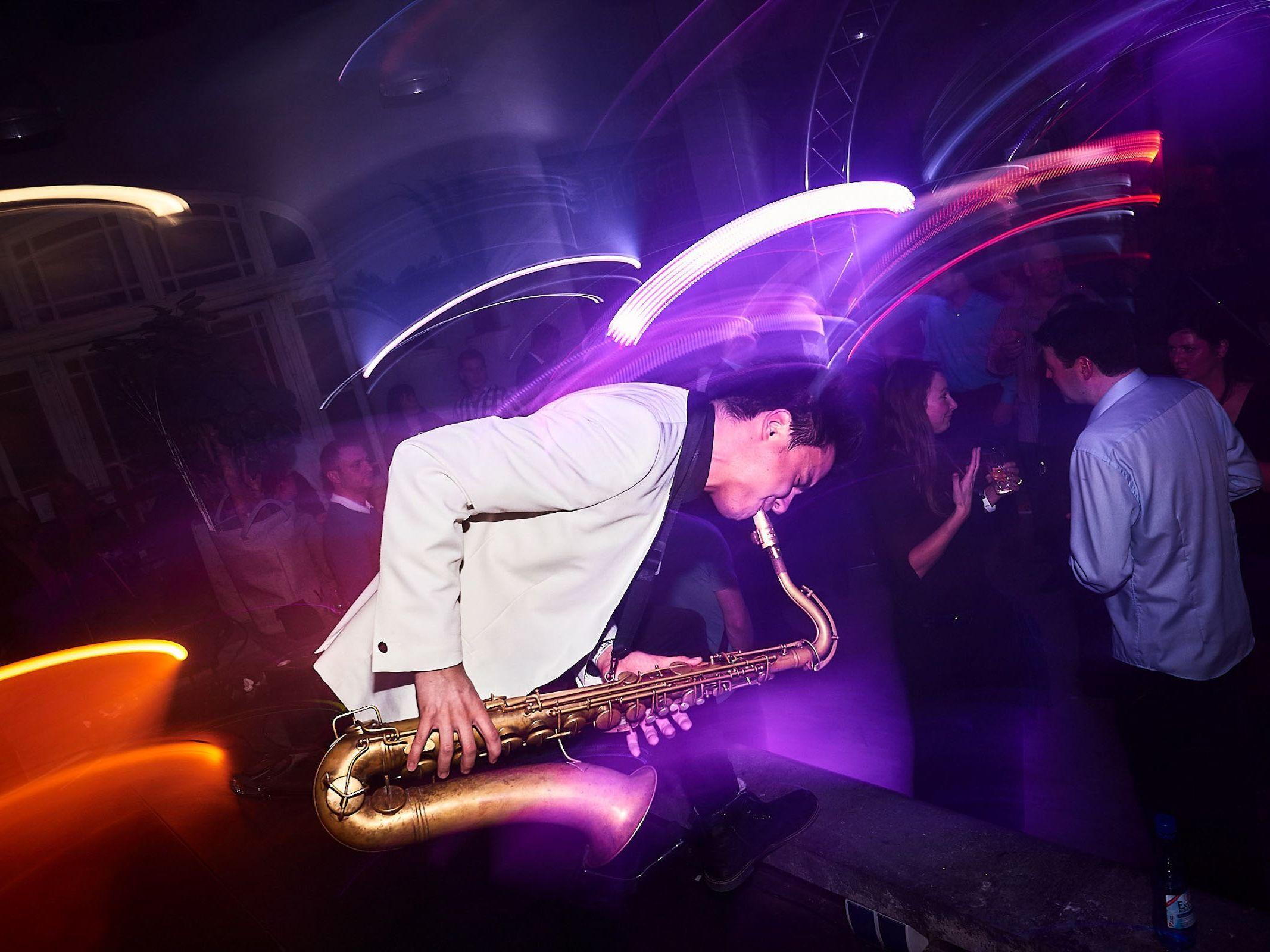 Saxophonist |Saxophon |Hannover |Hochzeit |Empfang |Trauung |Party |Buchen |Livemusik |Jazz |House |Electro |Pop |Hochzeit |Empfang |Messe |Firmenfeier |Mieten |Anfragen |Lehmann |Eventservice