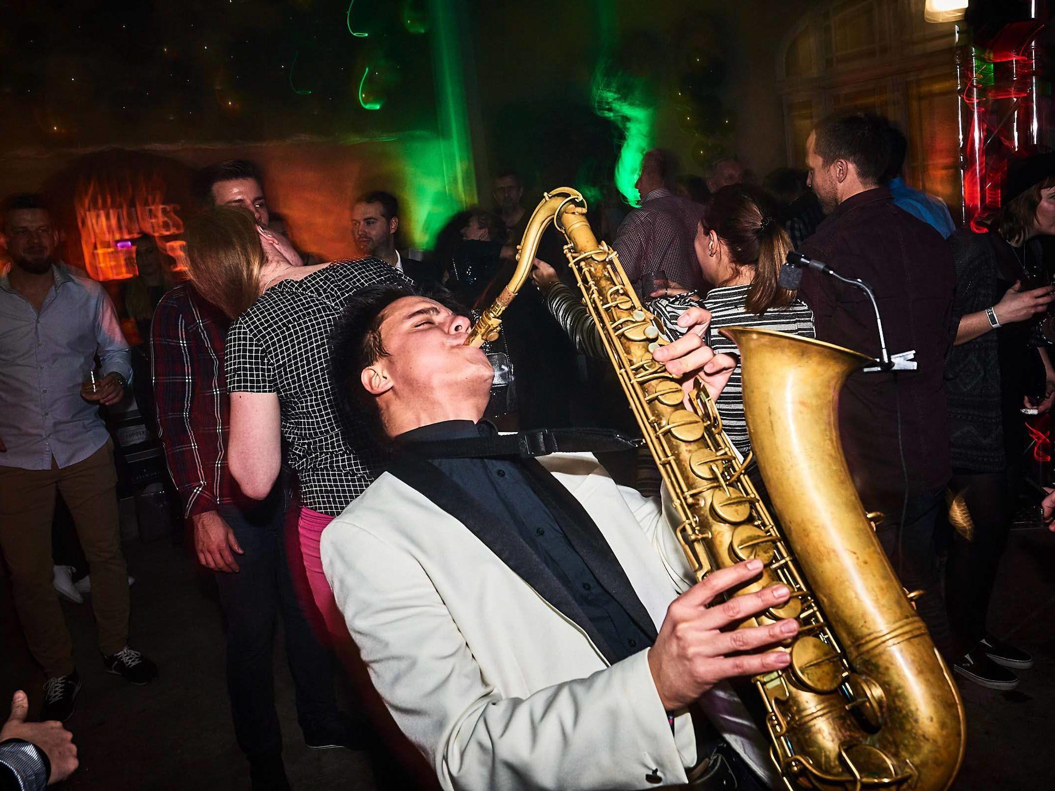 Saxophonist |Saxophon |Hannover |Hochzeit |Empfang |Trauung |Party |Buchen |Livemusik |Jazz |House |Swing |Pop |Hochzeit |Empfang |Messe |Firmenfeier |Mieten |Anfragen |Lehmann |Eventservice