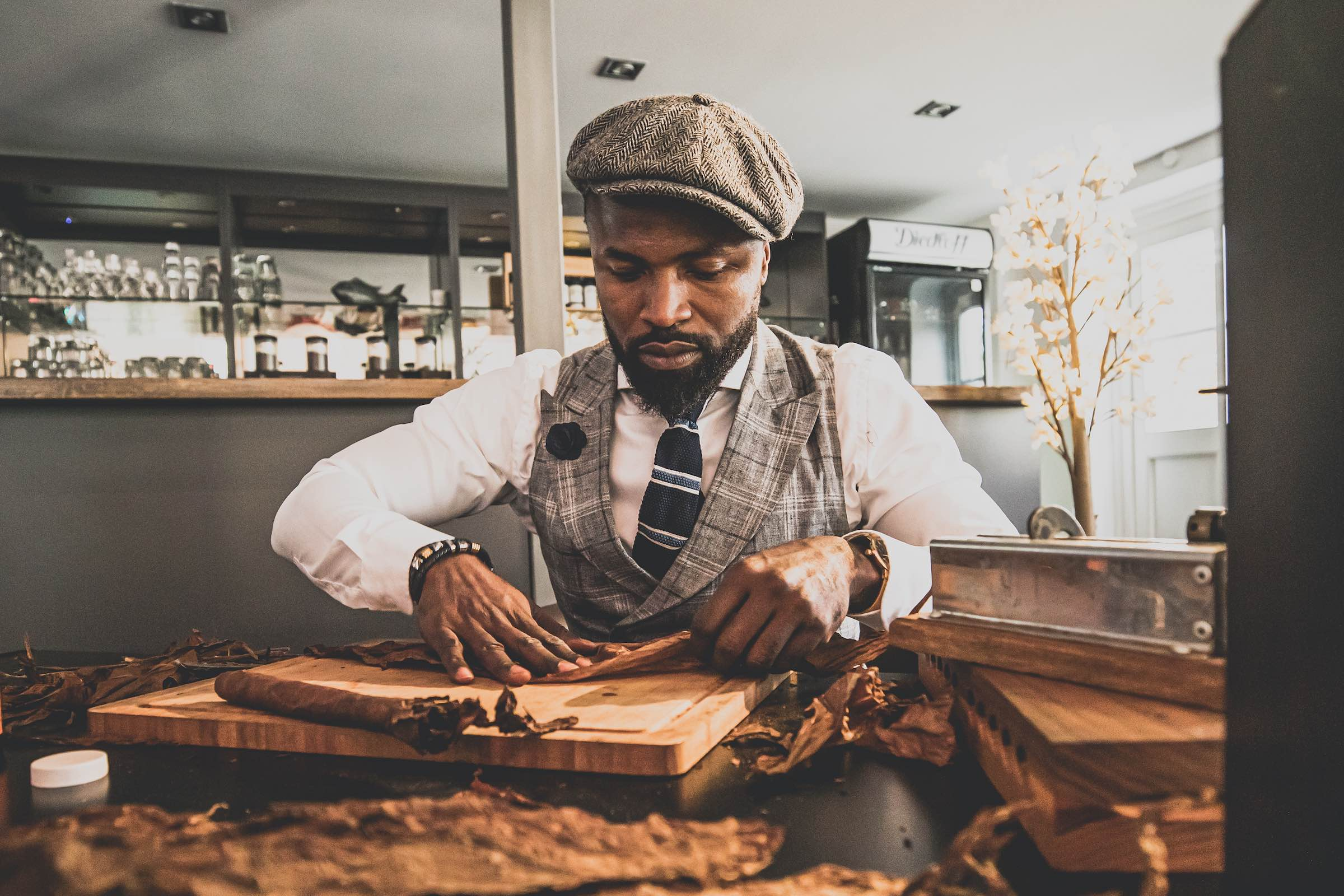 Zigarrendreher | Zigarrenroller | Trocadero | Buchen | Mieten | AnfragenHandgemacht | Zigarren | Robusto | Corona | Churchill | Zigarren | Banderole | Bauchbinde | Drehen | Tabak | Brasilien | Cuba | Indonesien