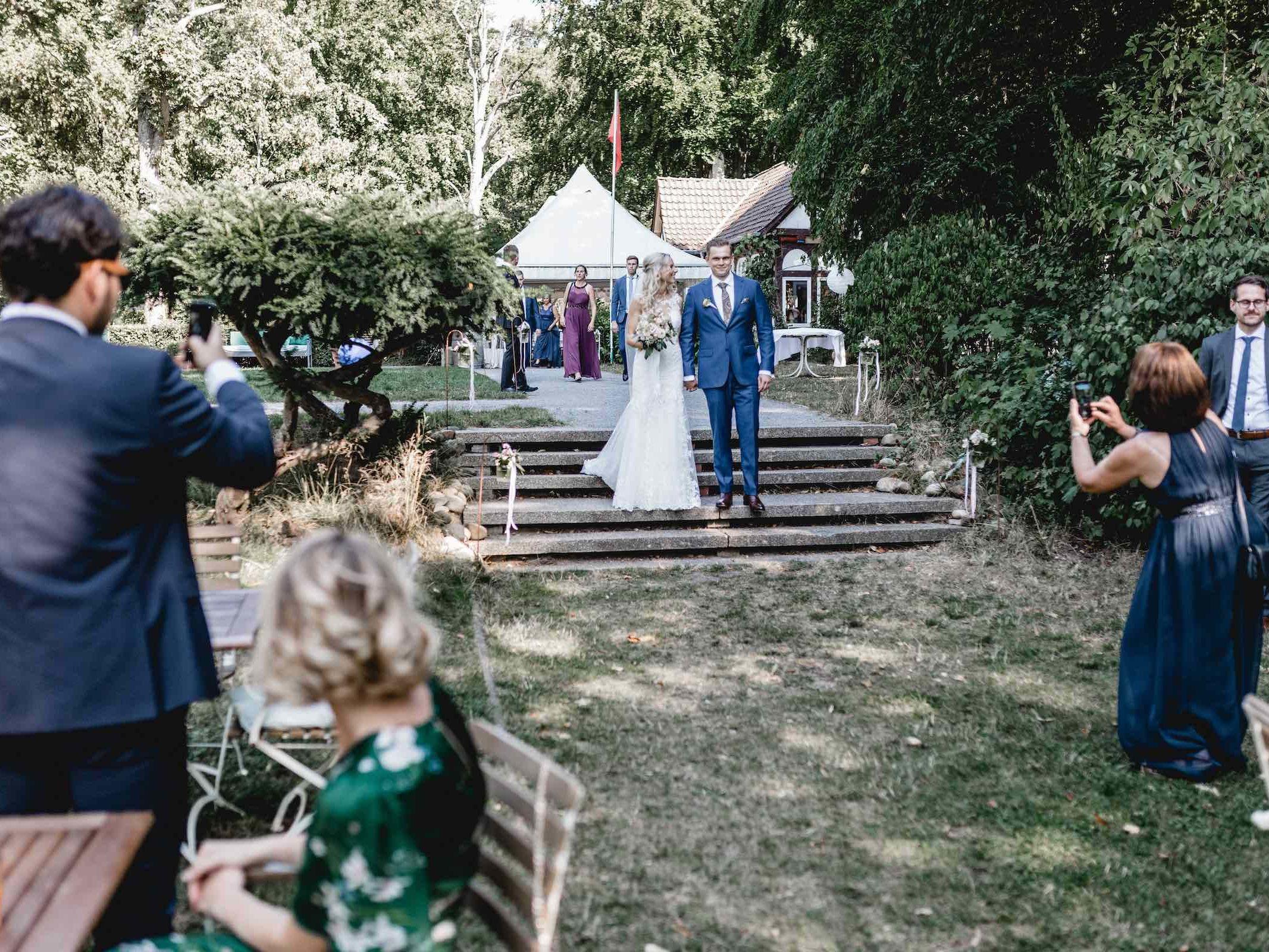 Berggasthaus | Niedersachsen | Hochzeit | Brautpaar | Empfang | Locations | DJ | Hochzeit | Fotograf | Fotobox | Eventaustattung | Hochzeitsplanung | Hochzeitsplaner | Referenz | Lehmann | Eventservice