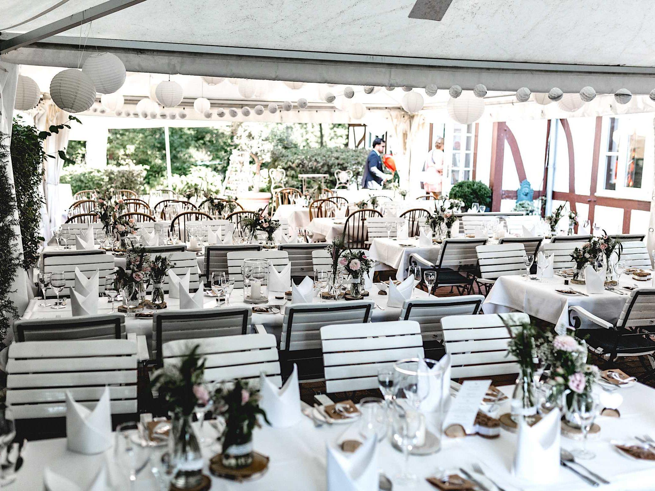 Berggasthaus | Niedersachsen | Hochzeit | Firmenfeier | Geburtstag | Feiern | Locations | DJ | Hochzeit | Dekoration | Tisch | Fotograf | Hochzeitsplanung | Hochzeitsplaner | Referenz | Lehmann | Eventservice