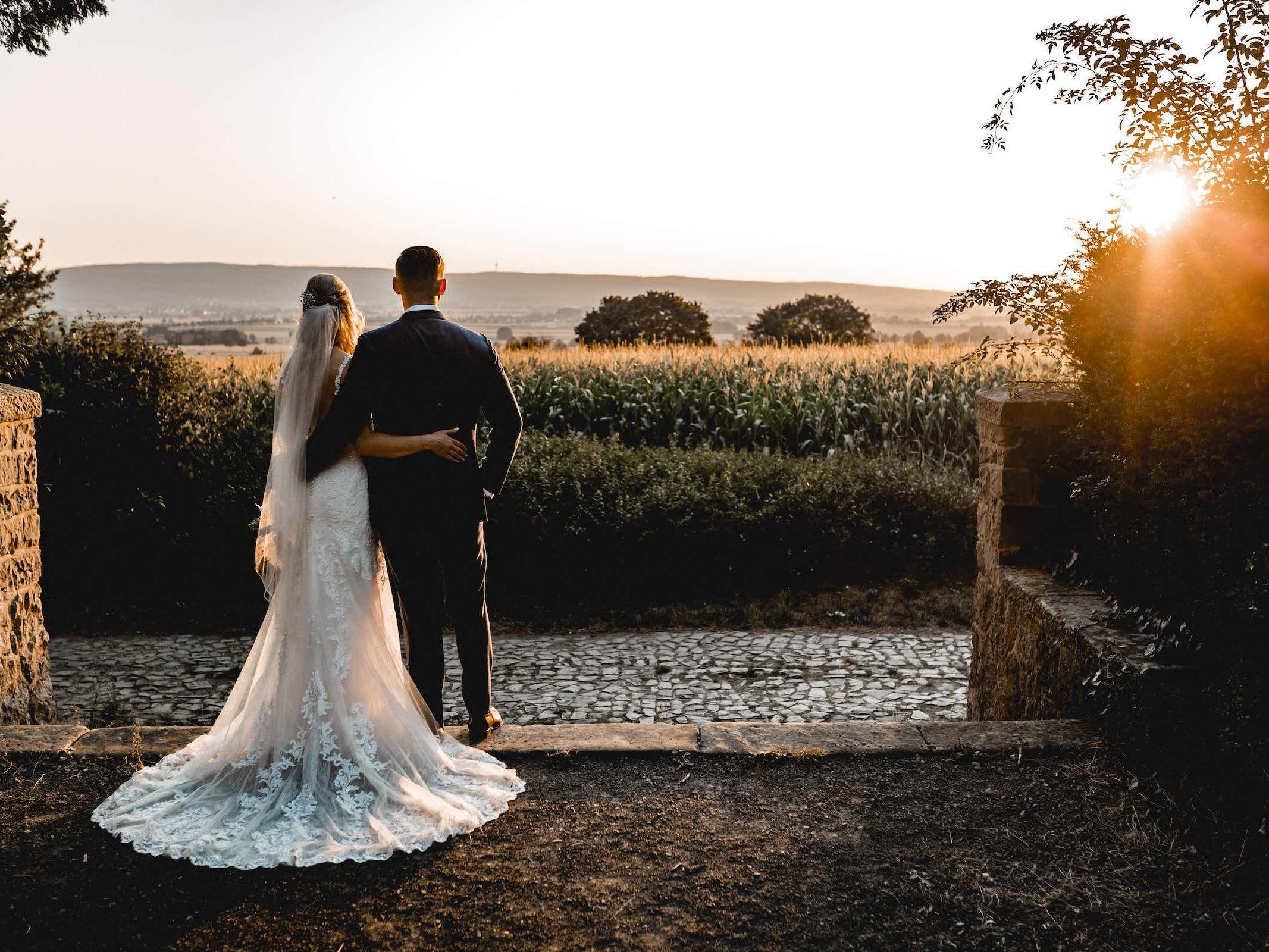 Berggasthaus | Niedersachsen | Hochzeit | Geburtstag | Empfang | Firmenfeier | Feiern | Locations | DJ | Hochzeit | DJ | Hochzeitsplanung | Fotograf | Hochzeit | Hochzeits | Fotograf | Referenz | Lehmann | Eventservice